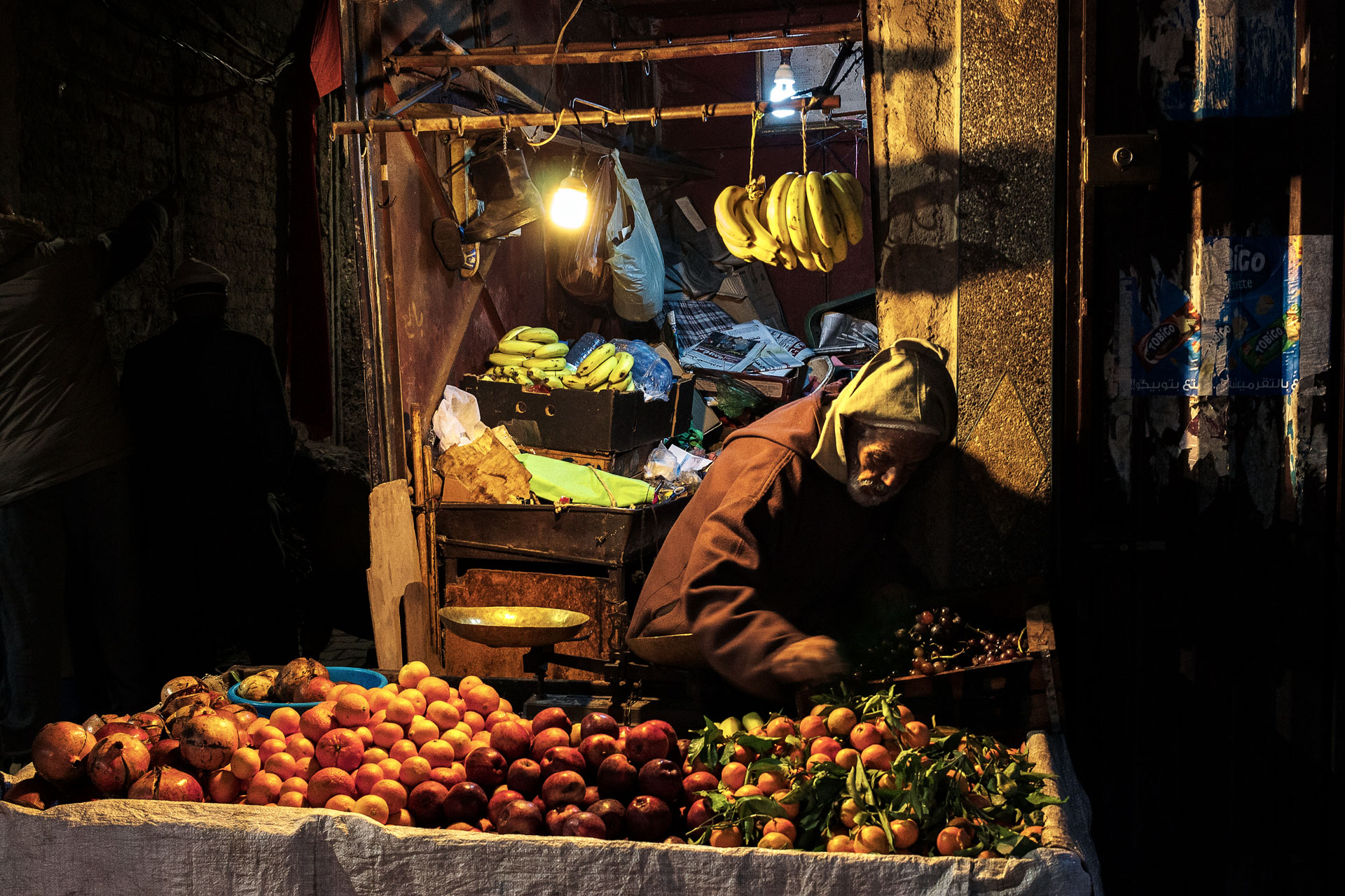 The fruit seller, like a Caravaggio...