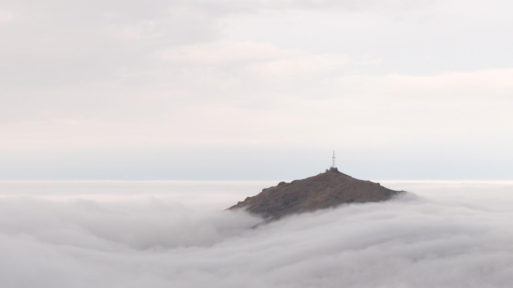 Isola nel mare di nebbia 2...