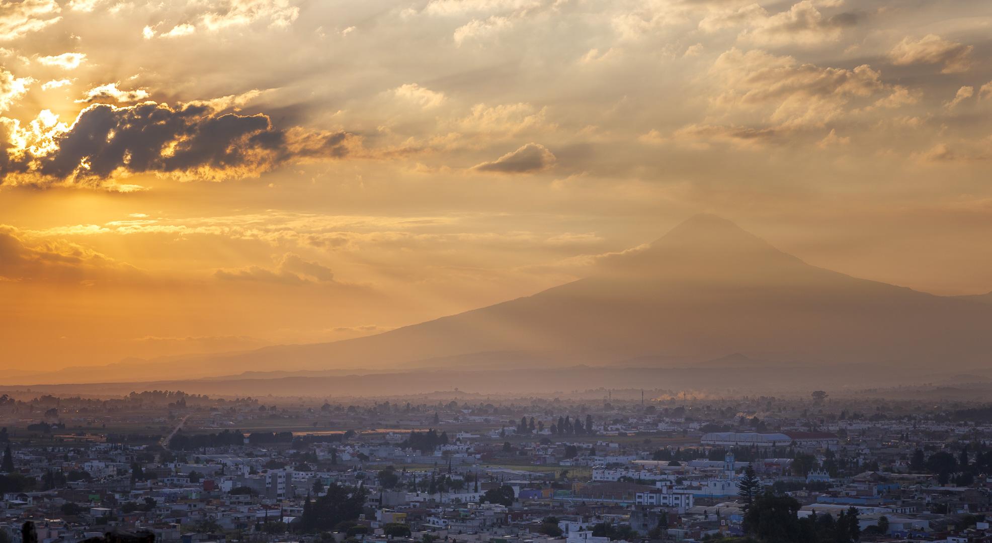 Puebla e Vulcano Popocatepetl...