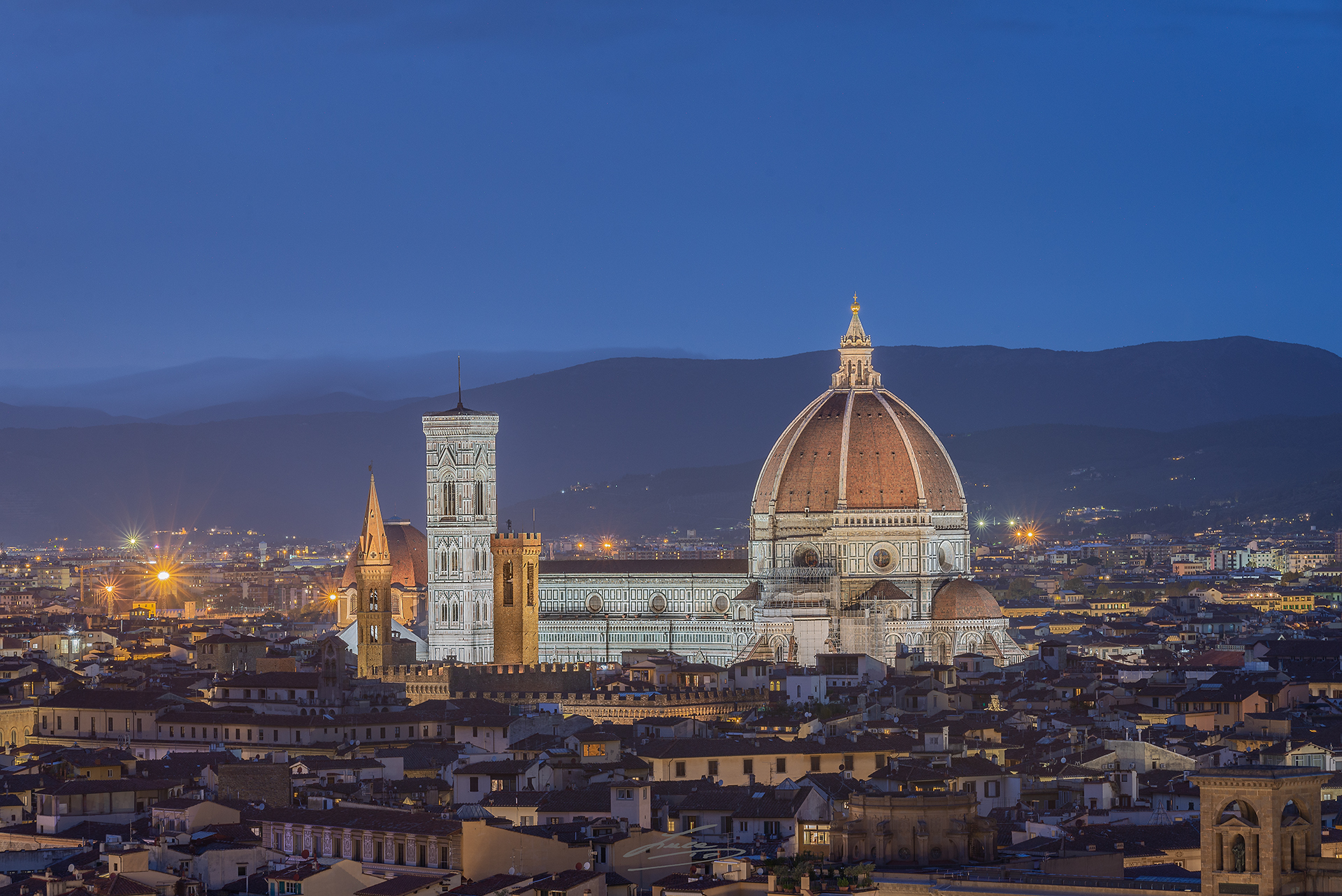 Blue hour on the top of Florence...