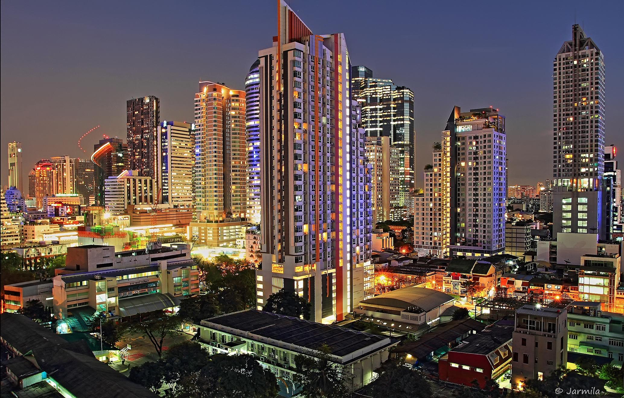 Le luci di Bangkok - quartiere Silom...