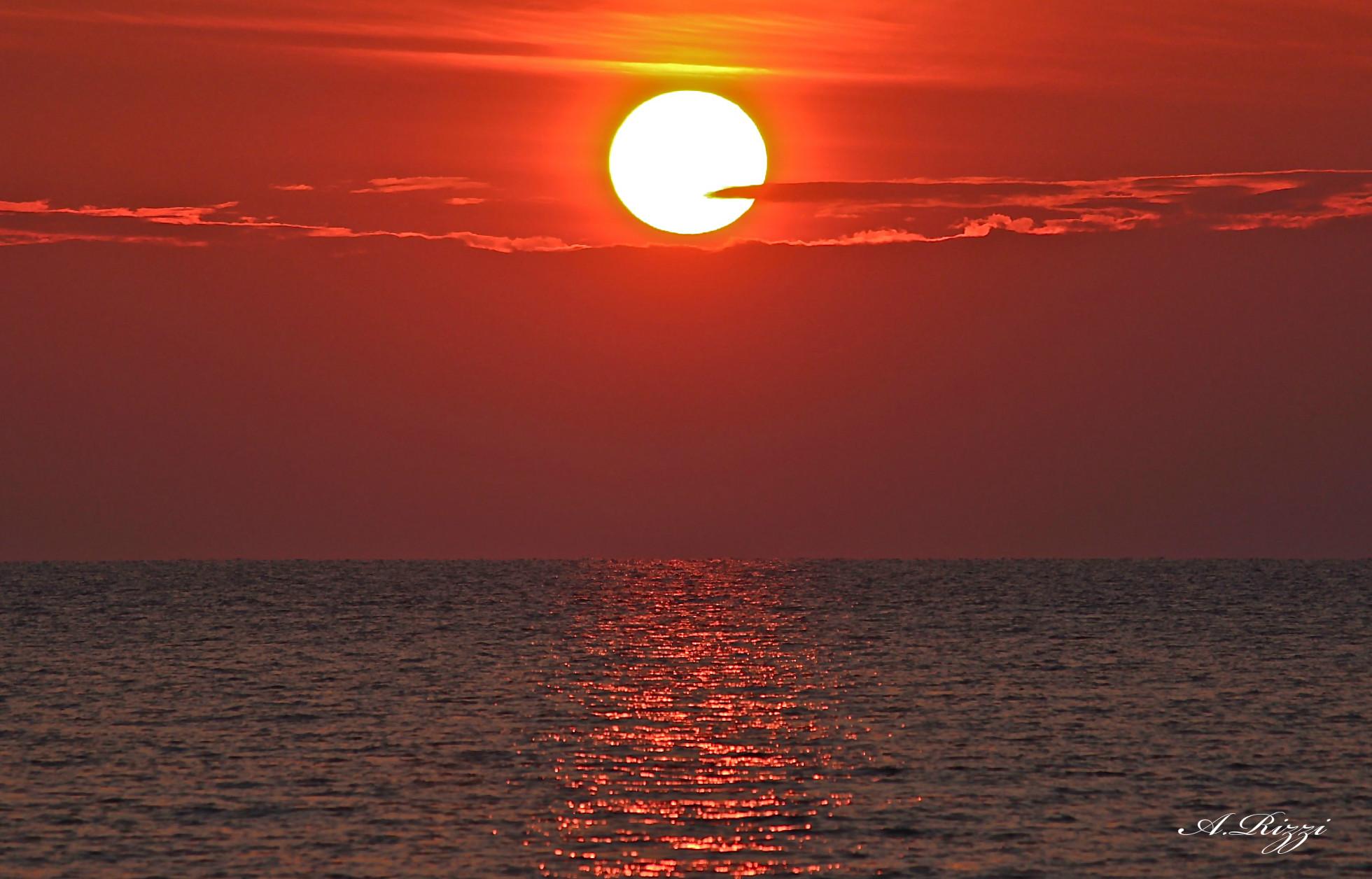 Tramonto al mare juzaphoto for Sfondi desktop tramonti