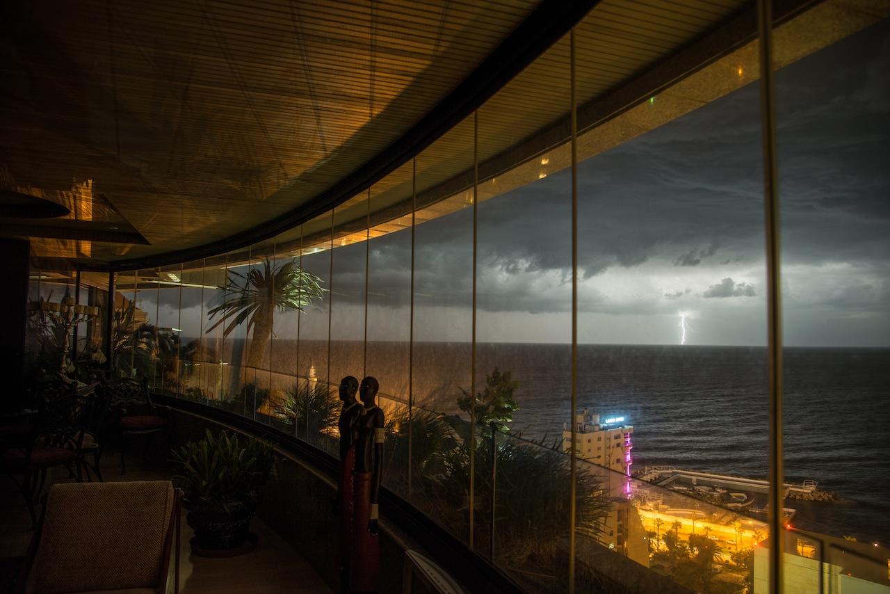 Lightning in the Horizon...