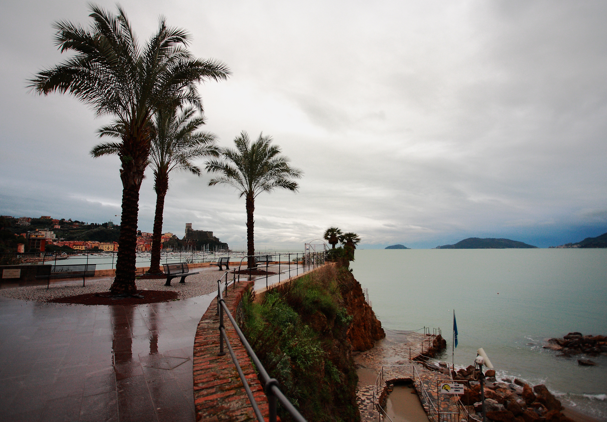 Lerici - castle in the background...