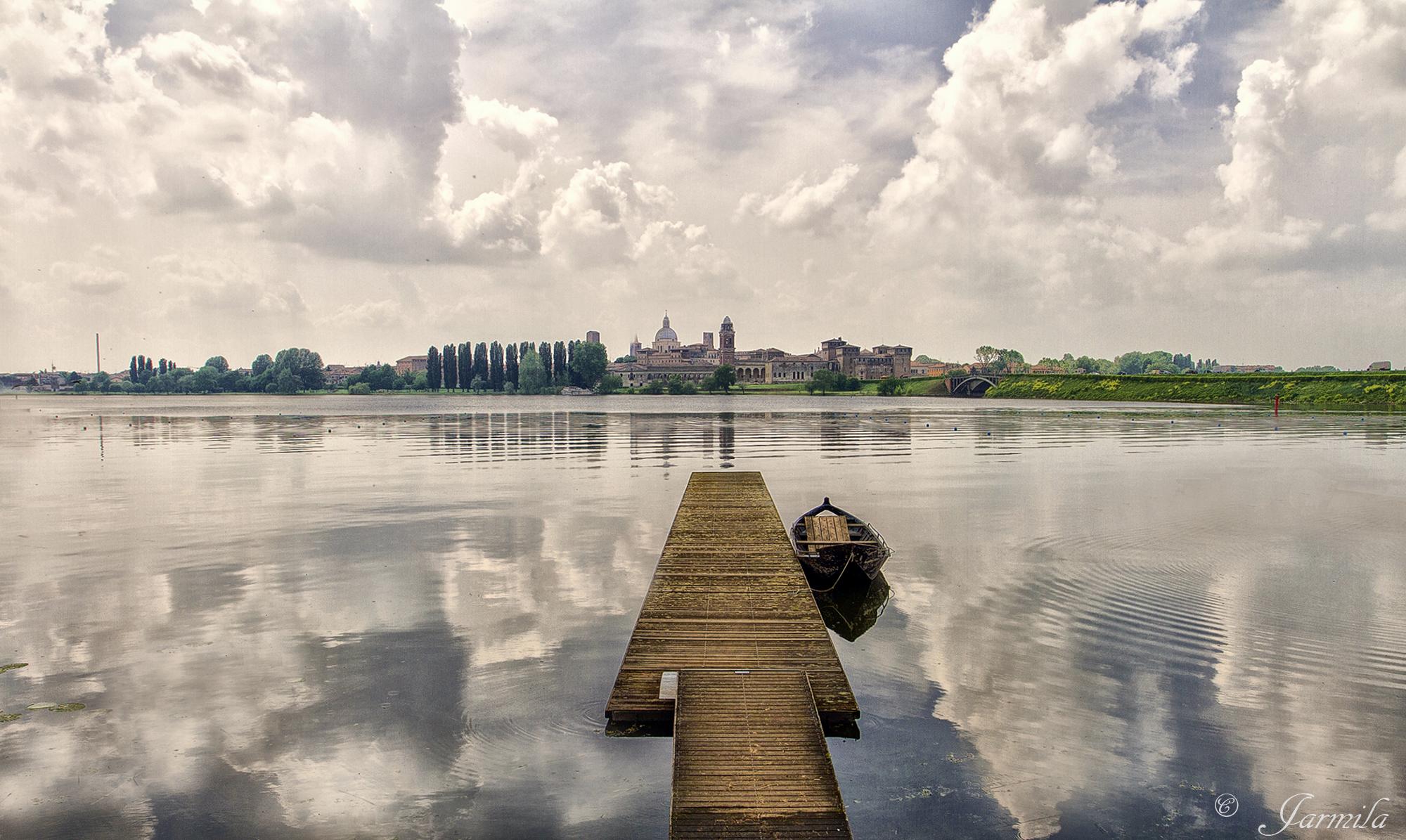 Mantova, vista dal lago...