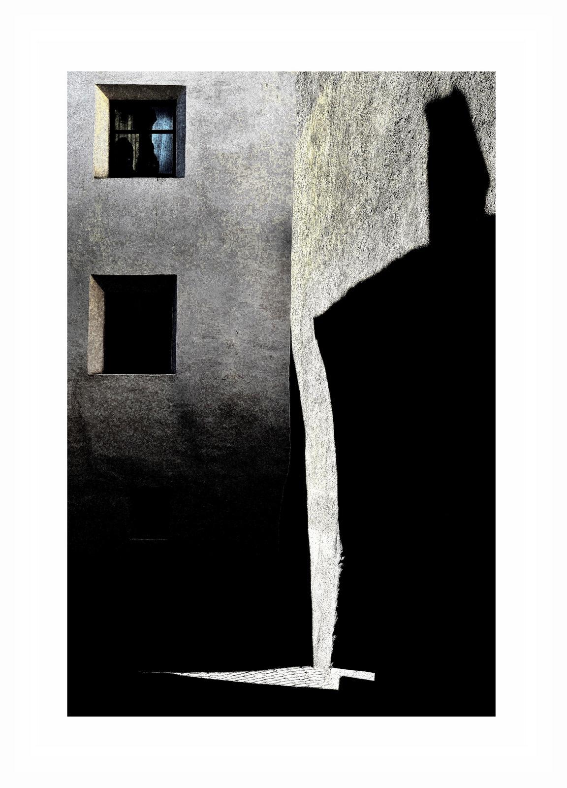 Murals of shadow...