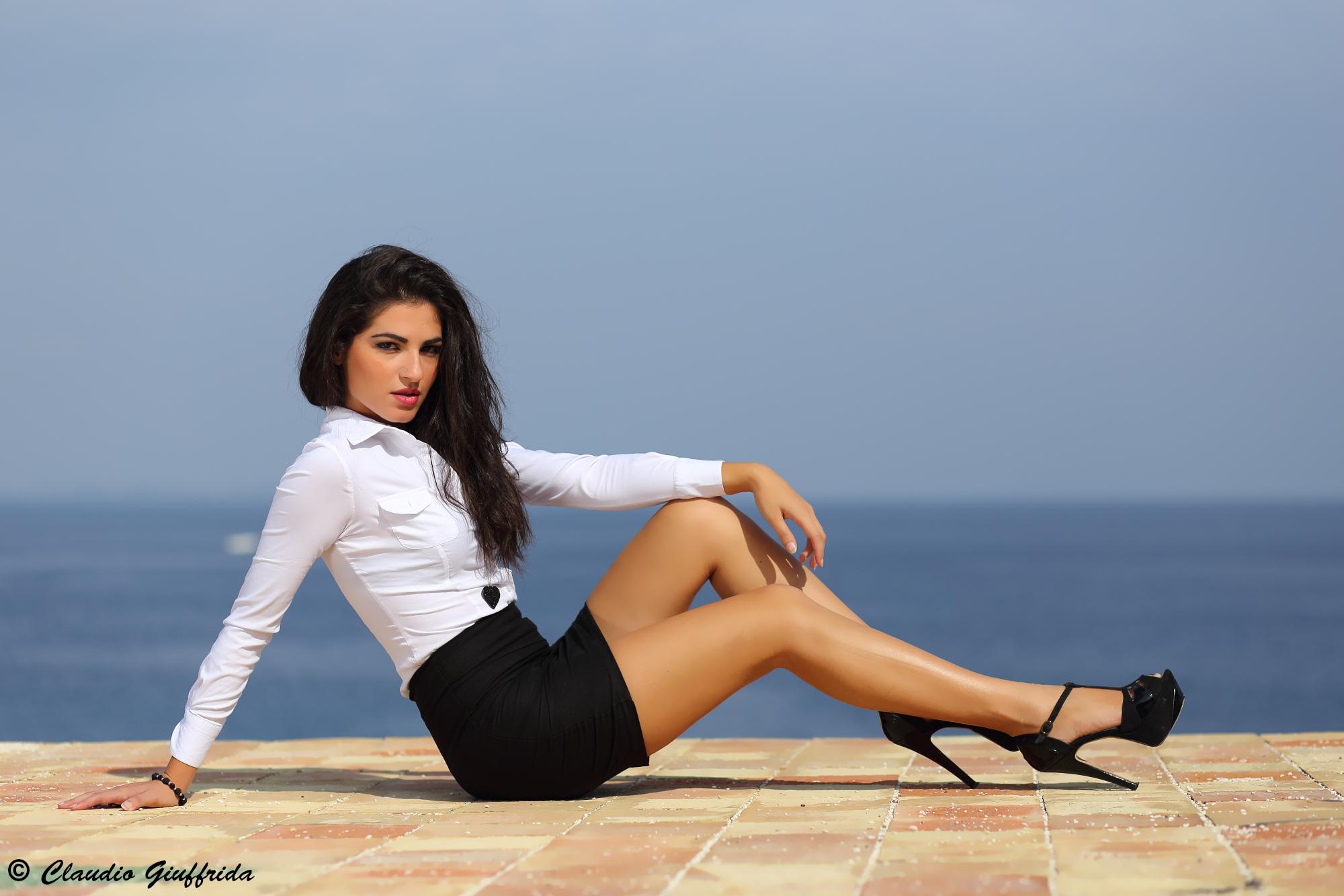 Alessandra...