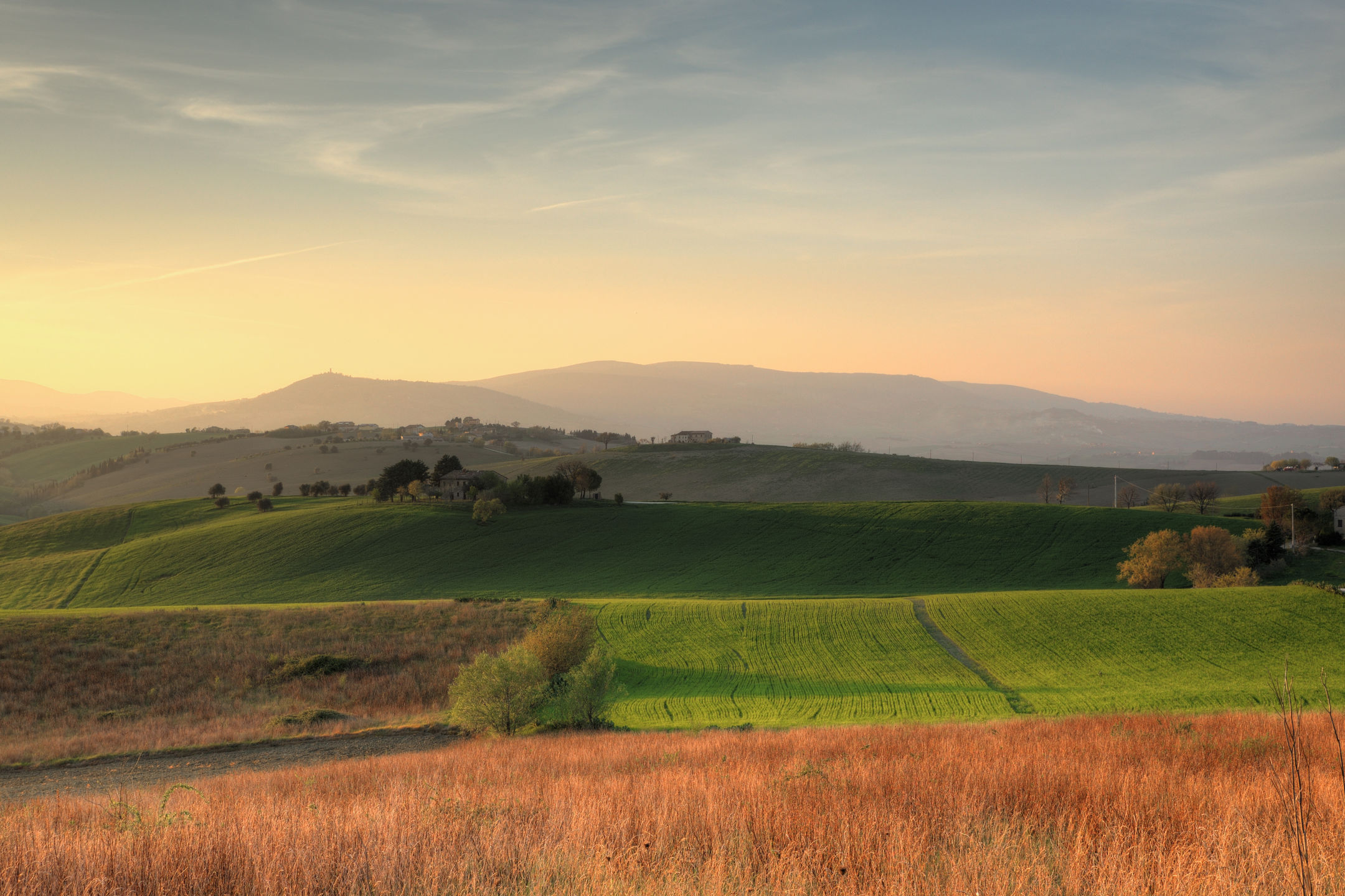 Collina Tolentinate al tramonto...