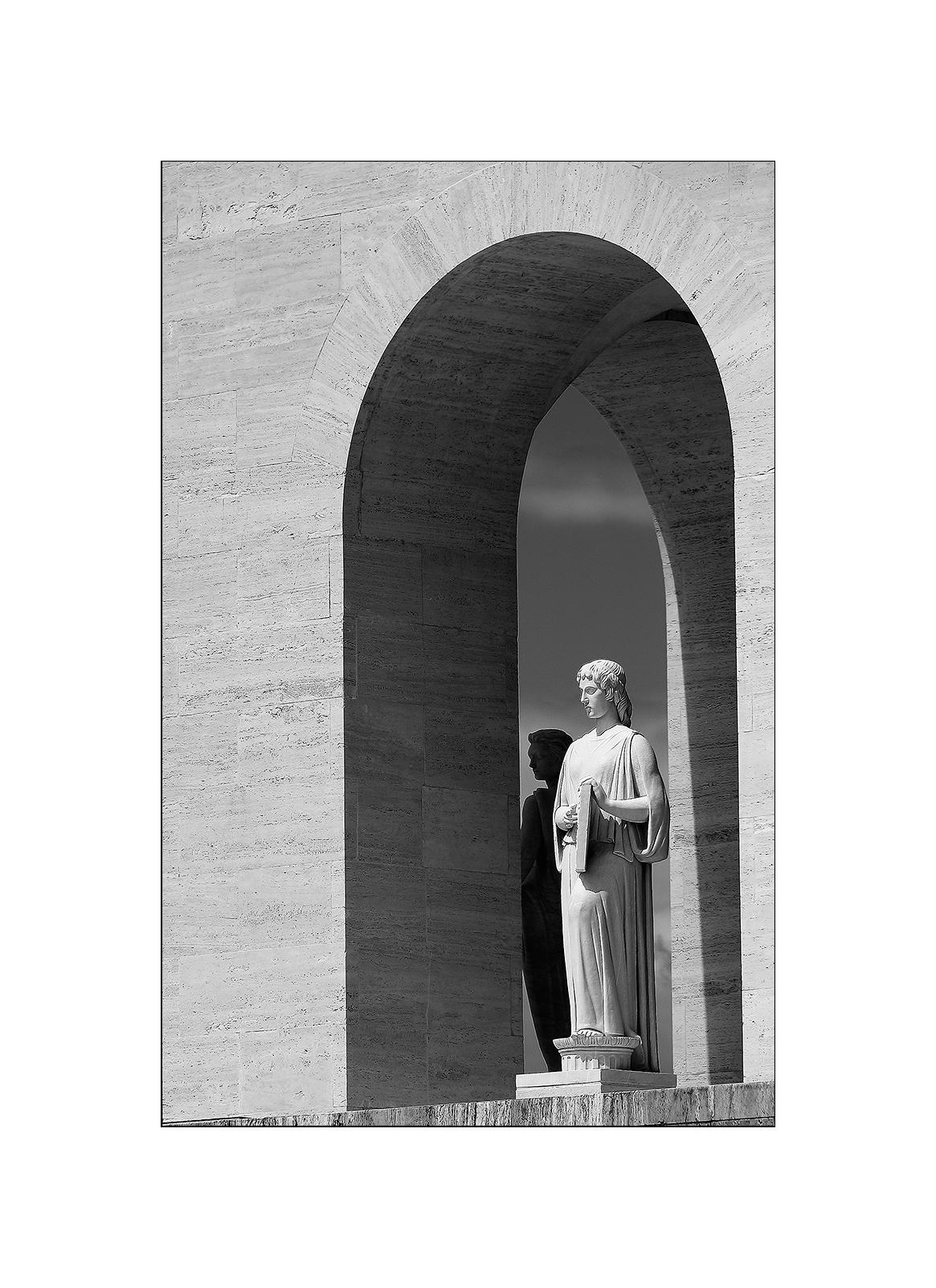 Roma EUR Palazzo della Civiltà -particolare-...