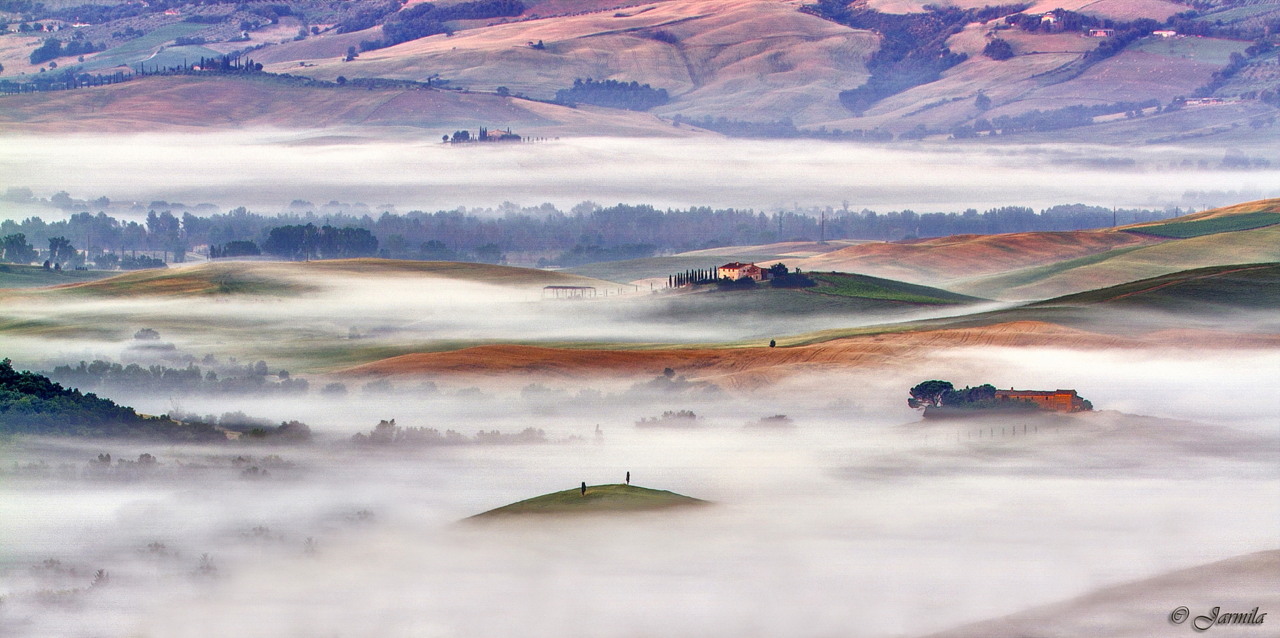 Waking up in the heart of Val d'Orcia...