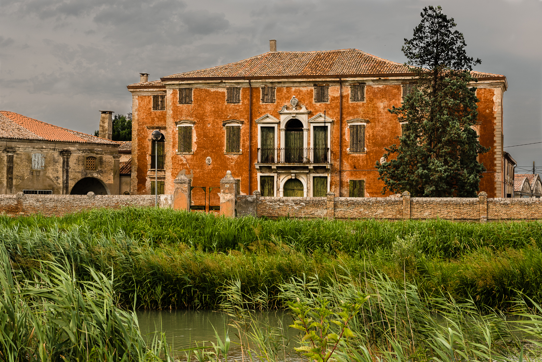 Villa Vianelli - Tornova Loreo (ro)...