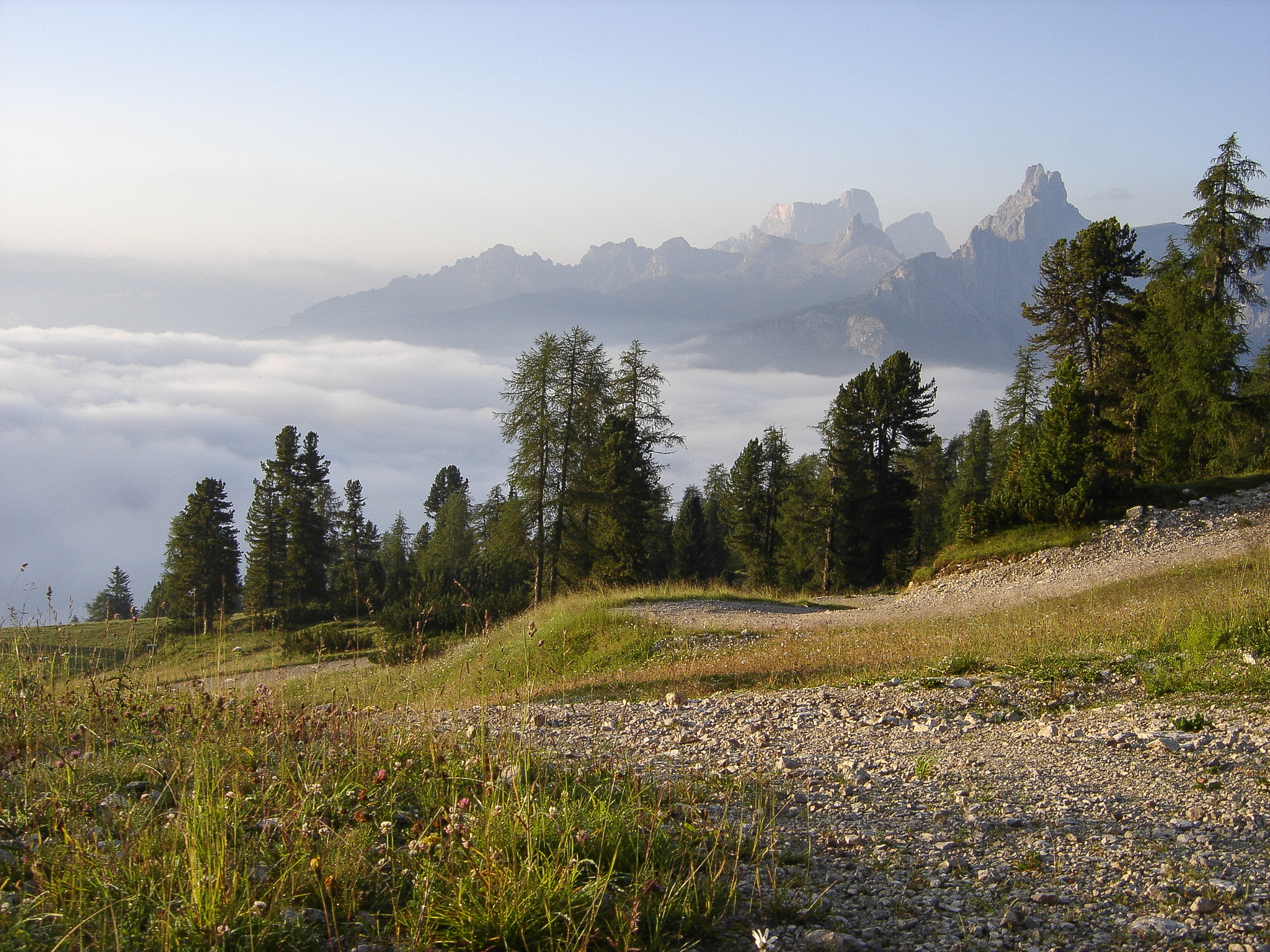Going up to the ref Duca D'Aosta...