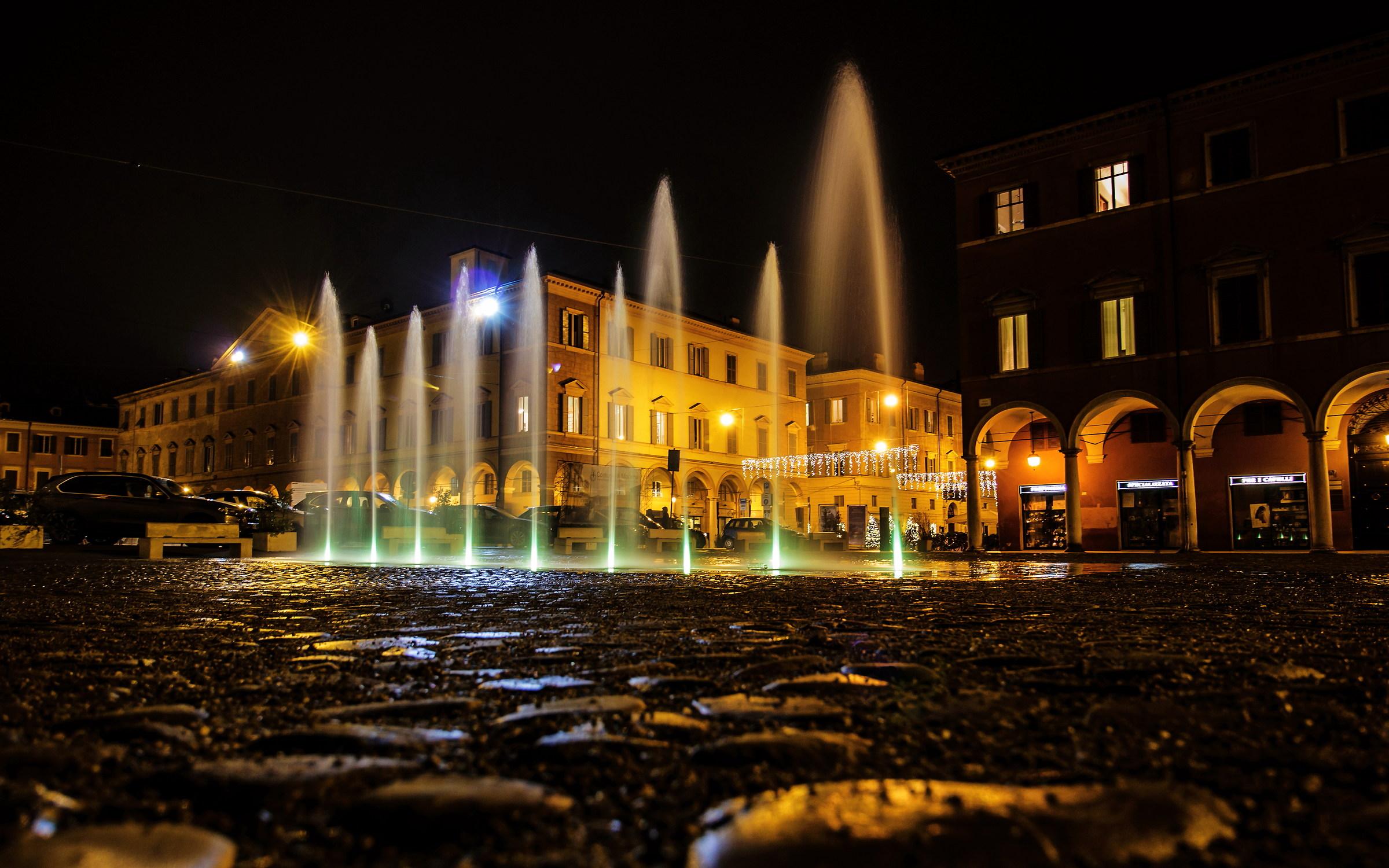 Modena - Piazza Roma...