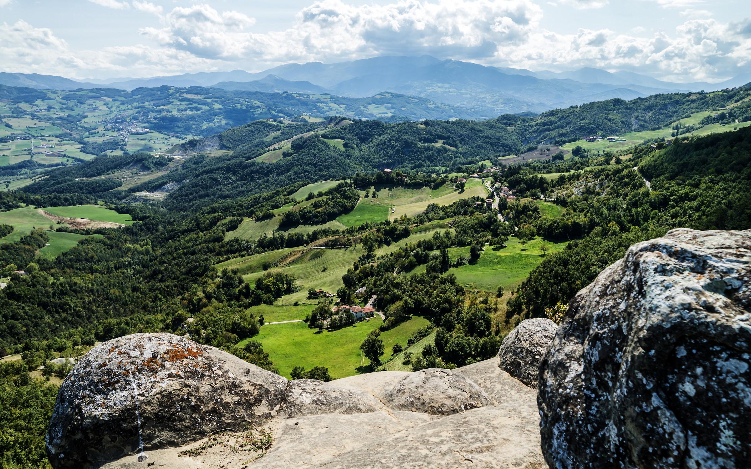 Cusna and Secchia valley...