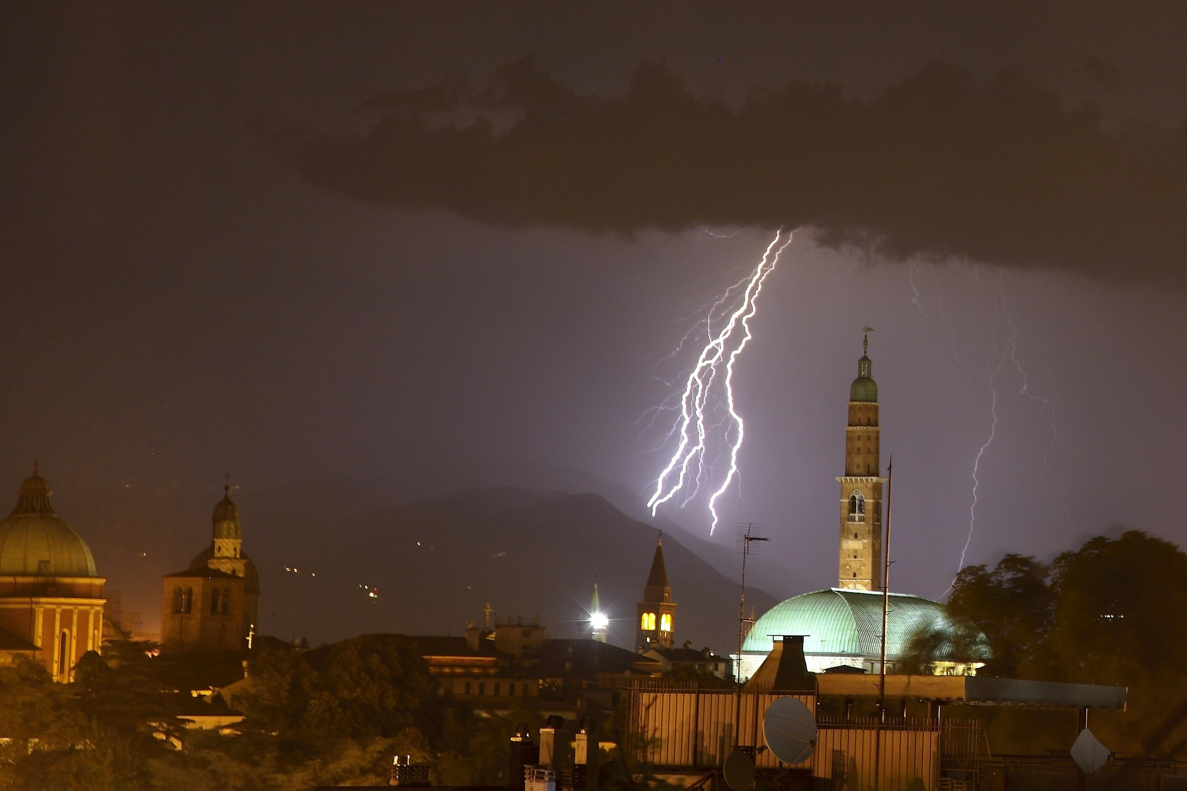 Lightning on Vicenza...