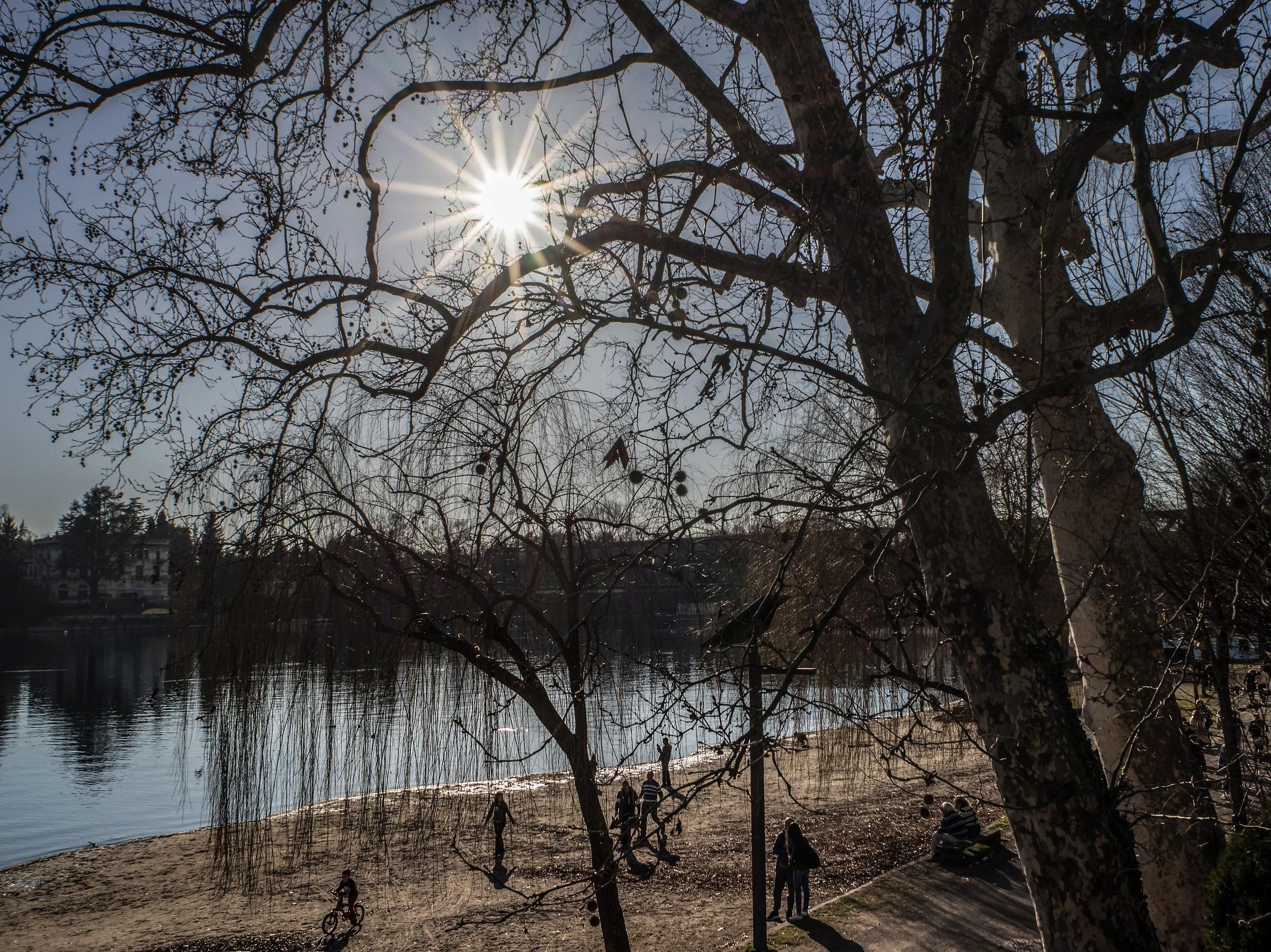 Spiaggetta sul Ticino domenica pomeriggio di febbraio...