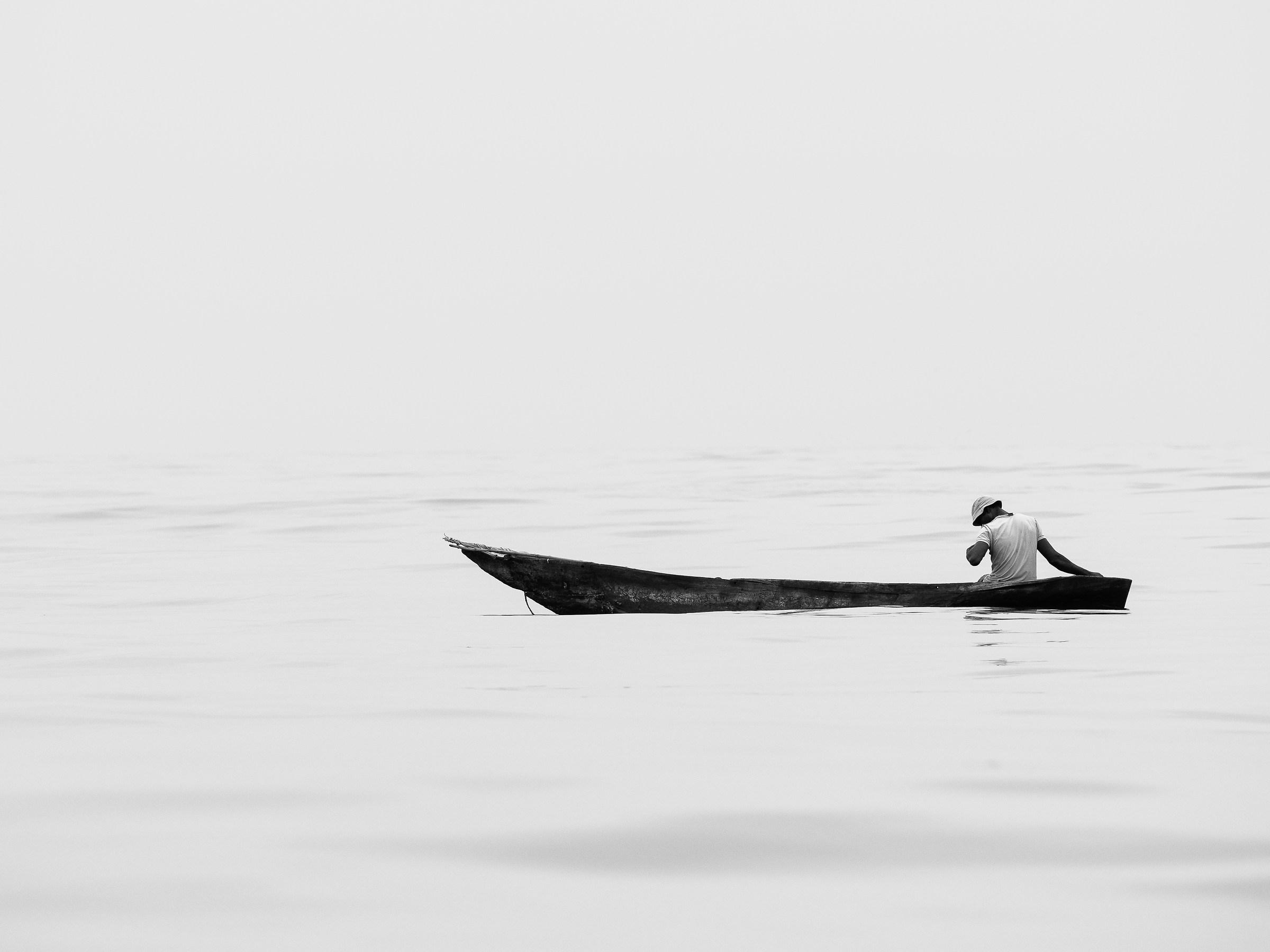 Pescatore nel bianco...