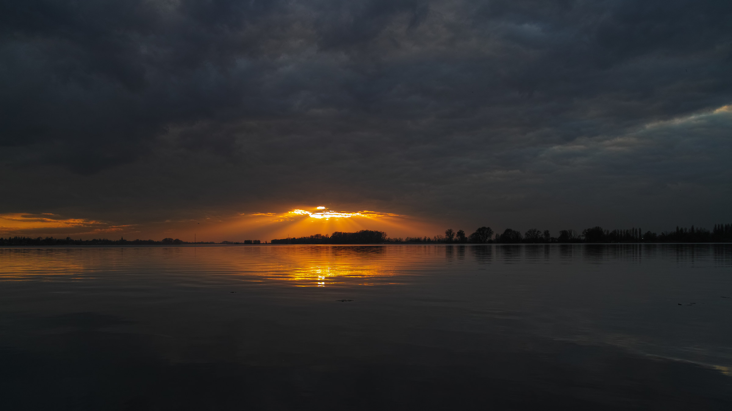 Upper Lake, a sunset away ......