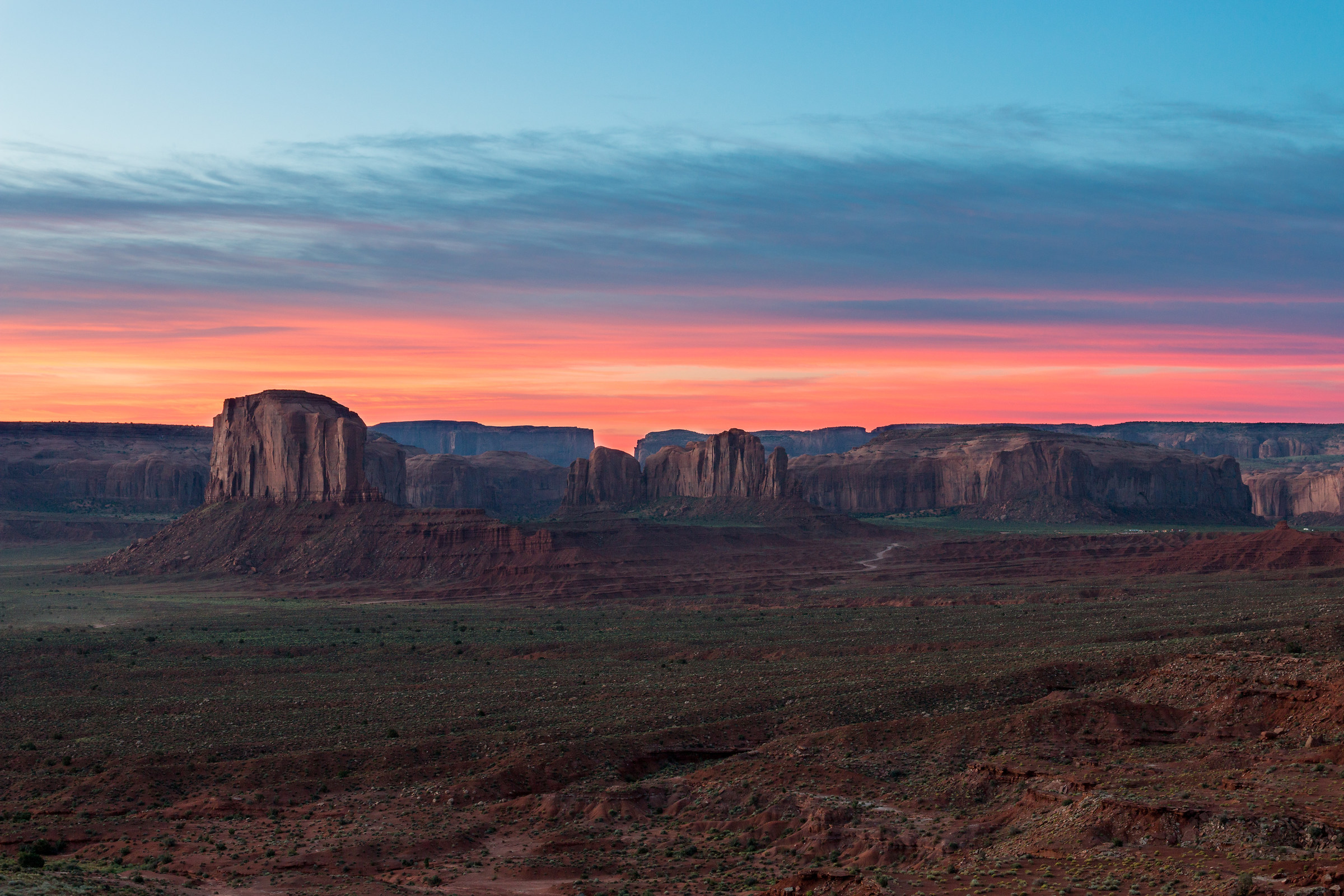 Dawn Monument Valley...