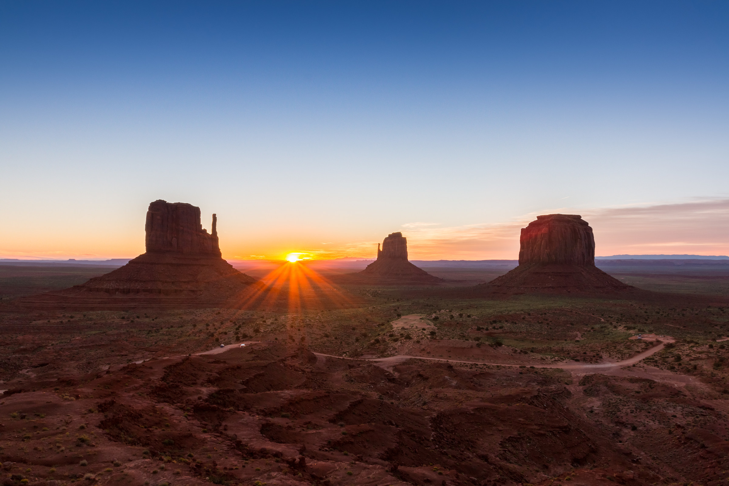 Dawn Monument Valley...
