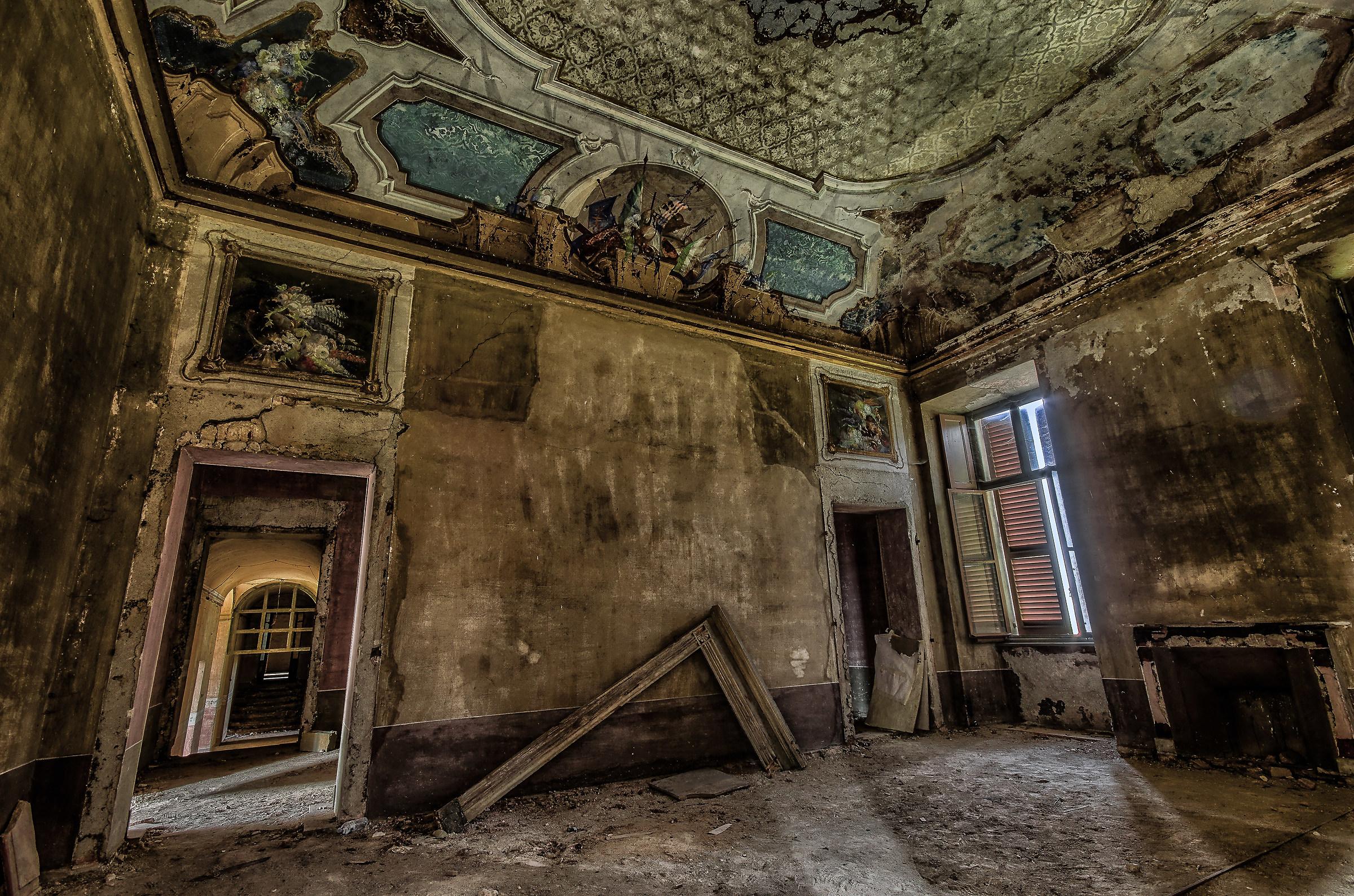All 39 interno della villa abbandonata juzaphoto for Interno j