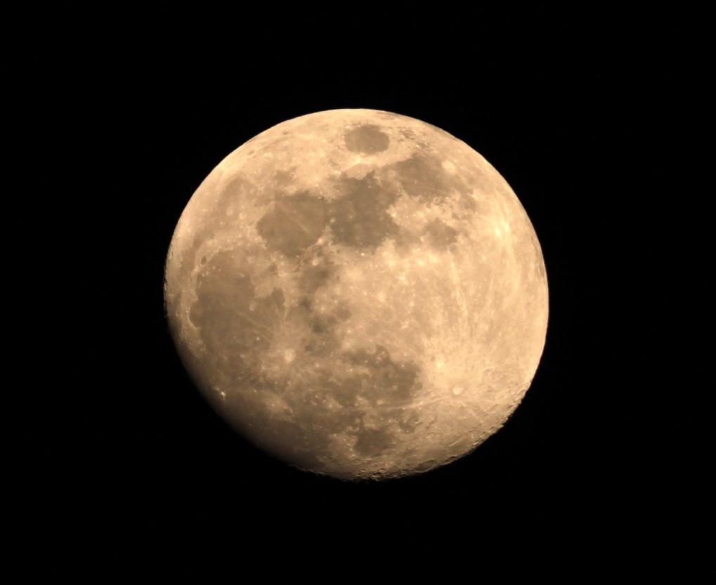 moon 19/04/2016...