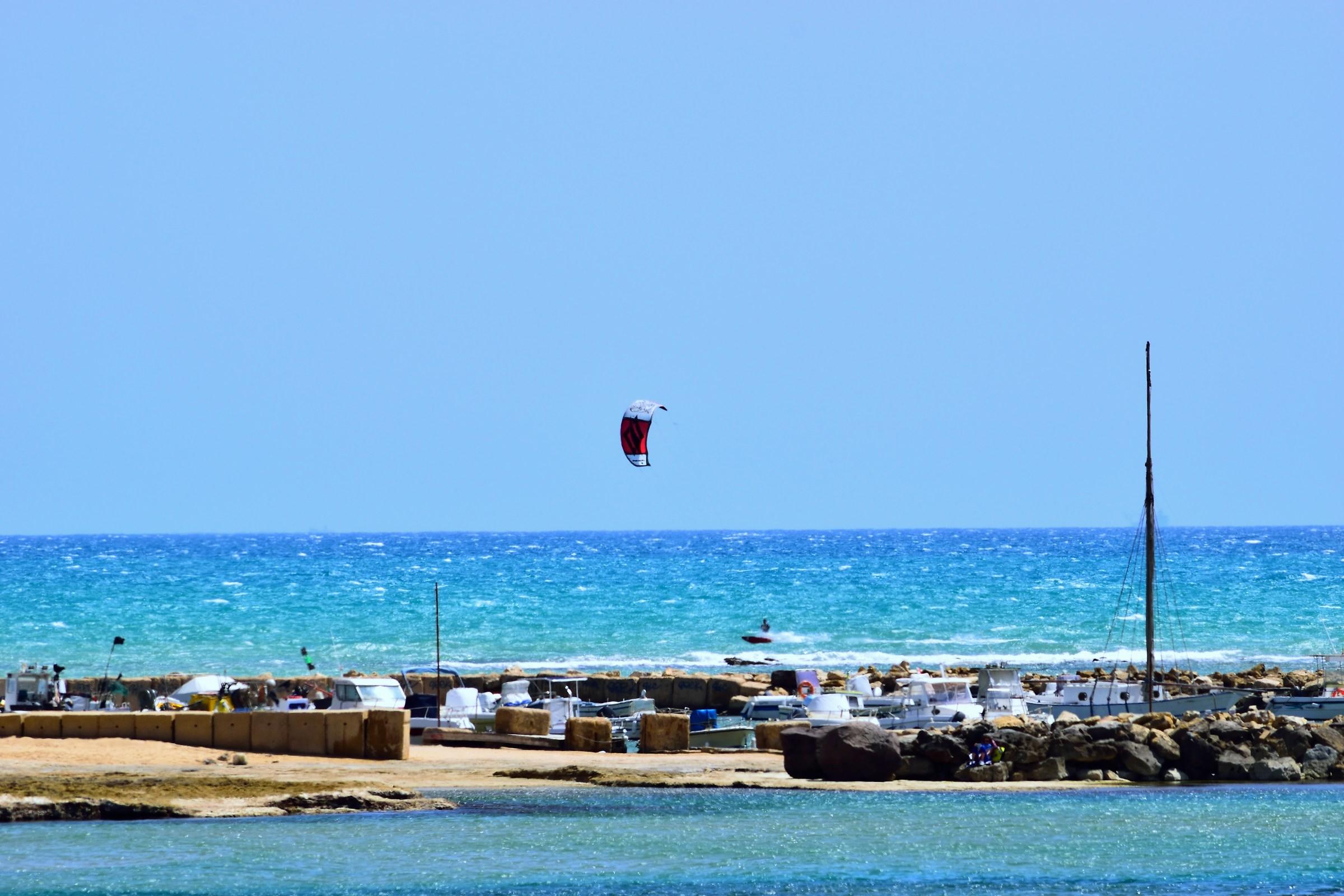 kitesurfing in Punta Secca...