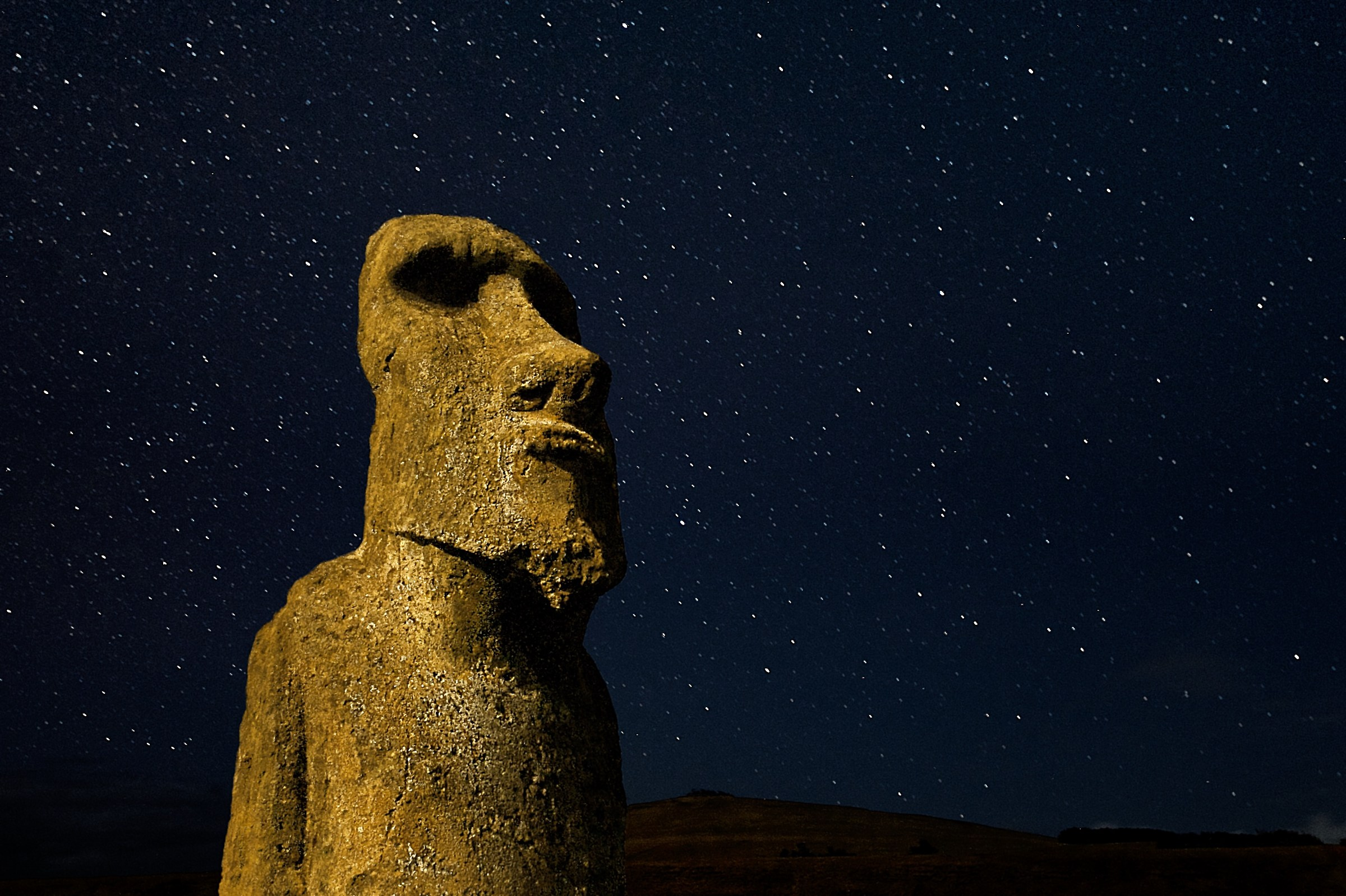 Moai looking at the sky...