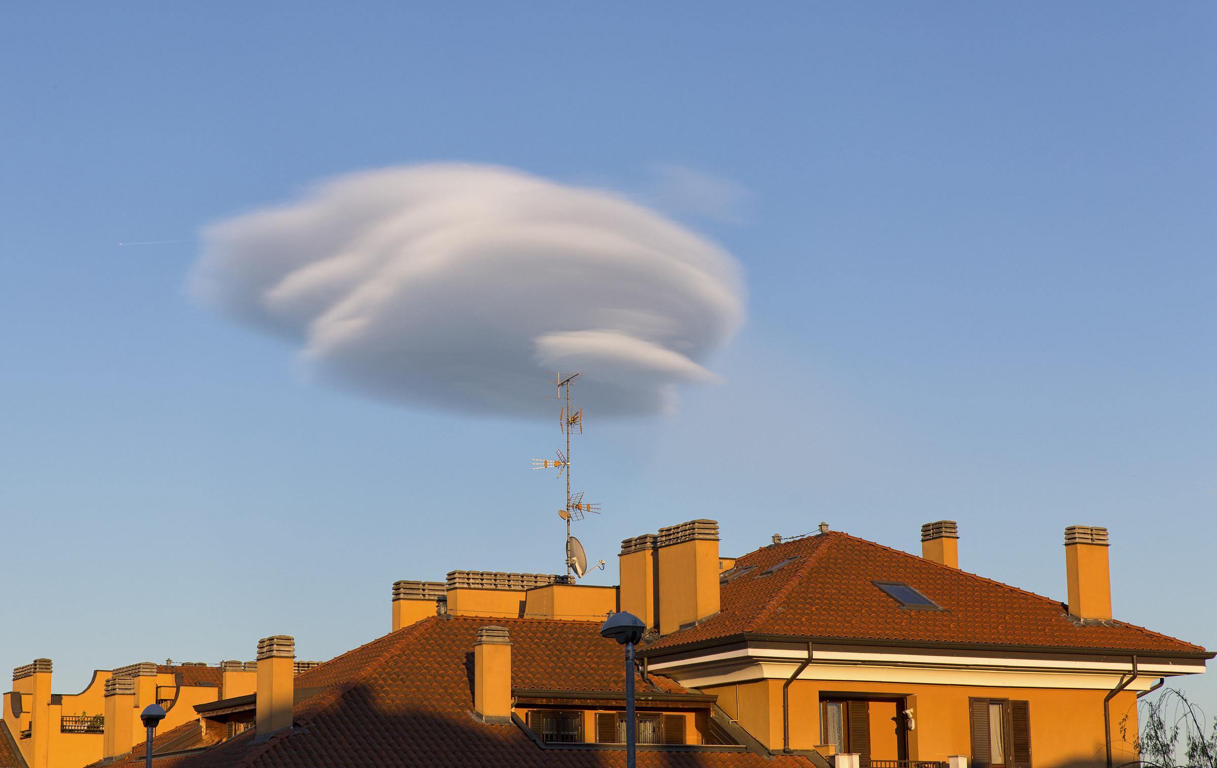 Arriving UFOs!...