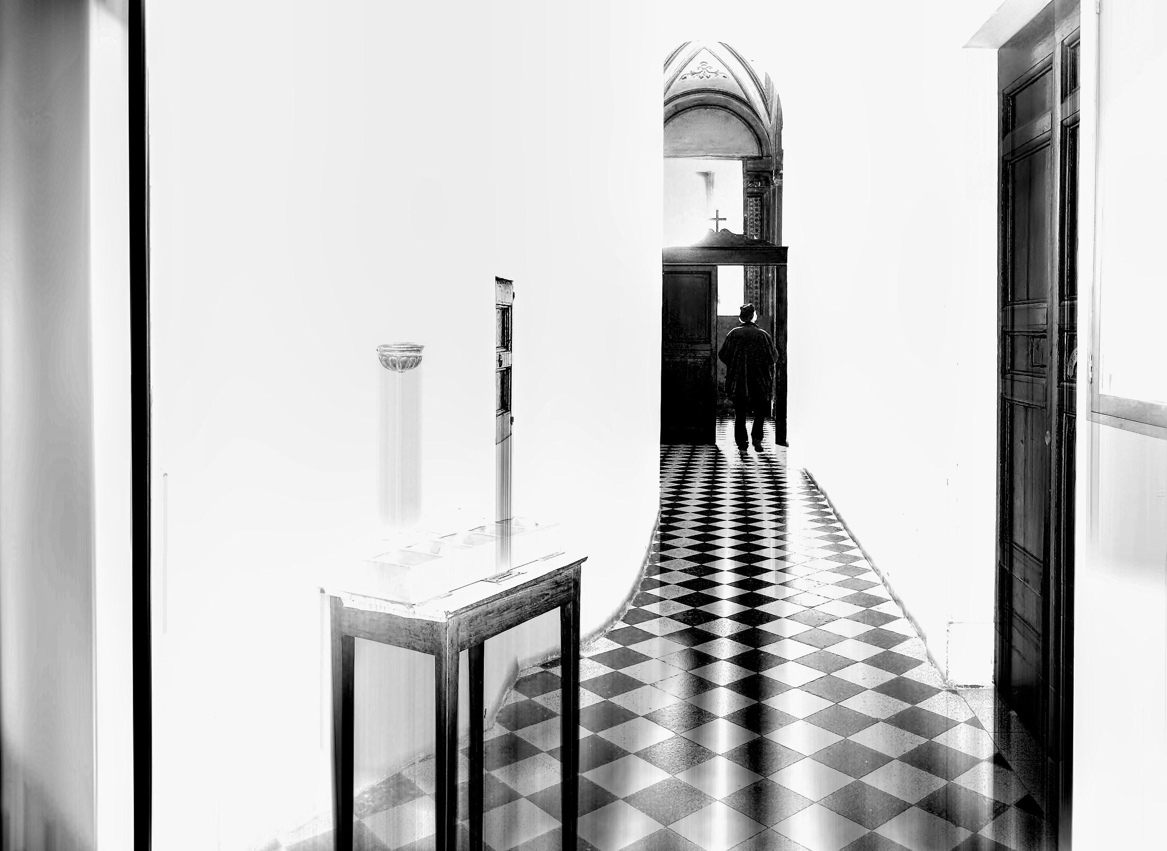 La porta in fondo al corridoio...