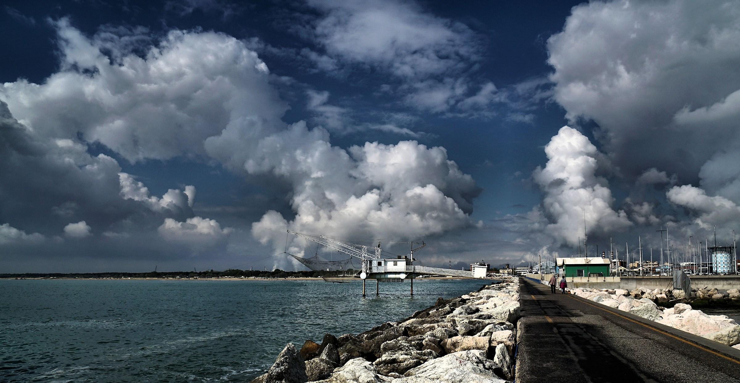Big sky on the pier....