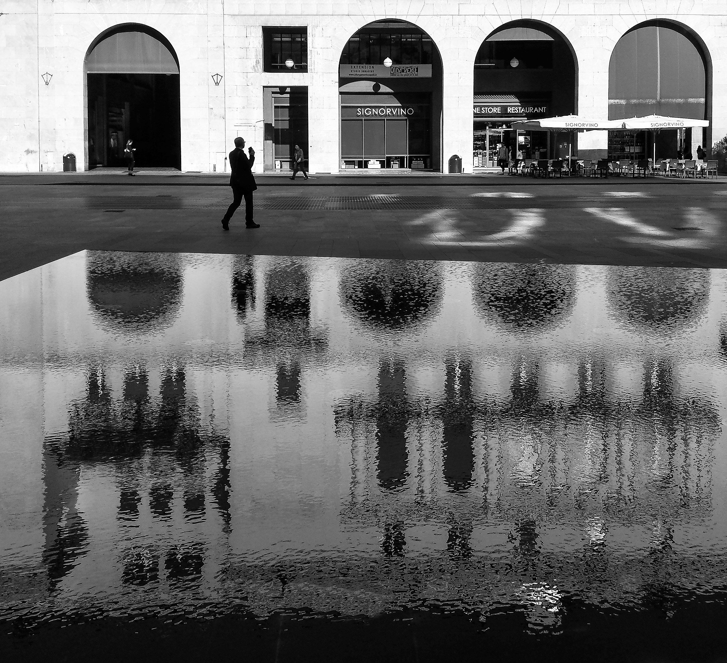 Lo specchio d 39 acqua juzaphoto for Specchio d acqua architettura