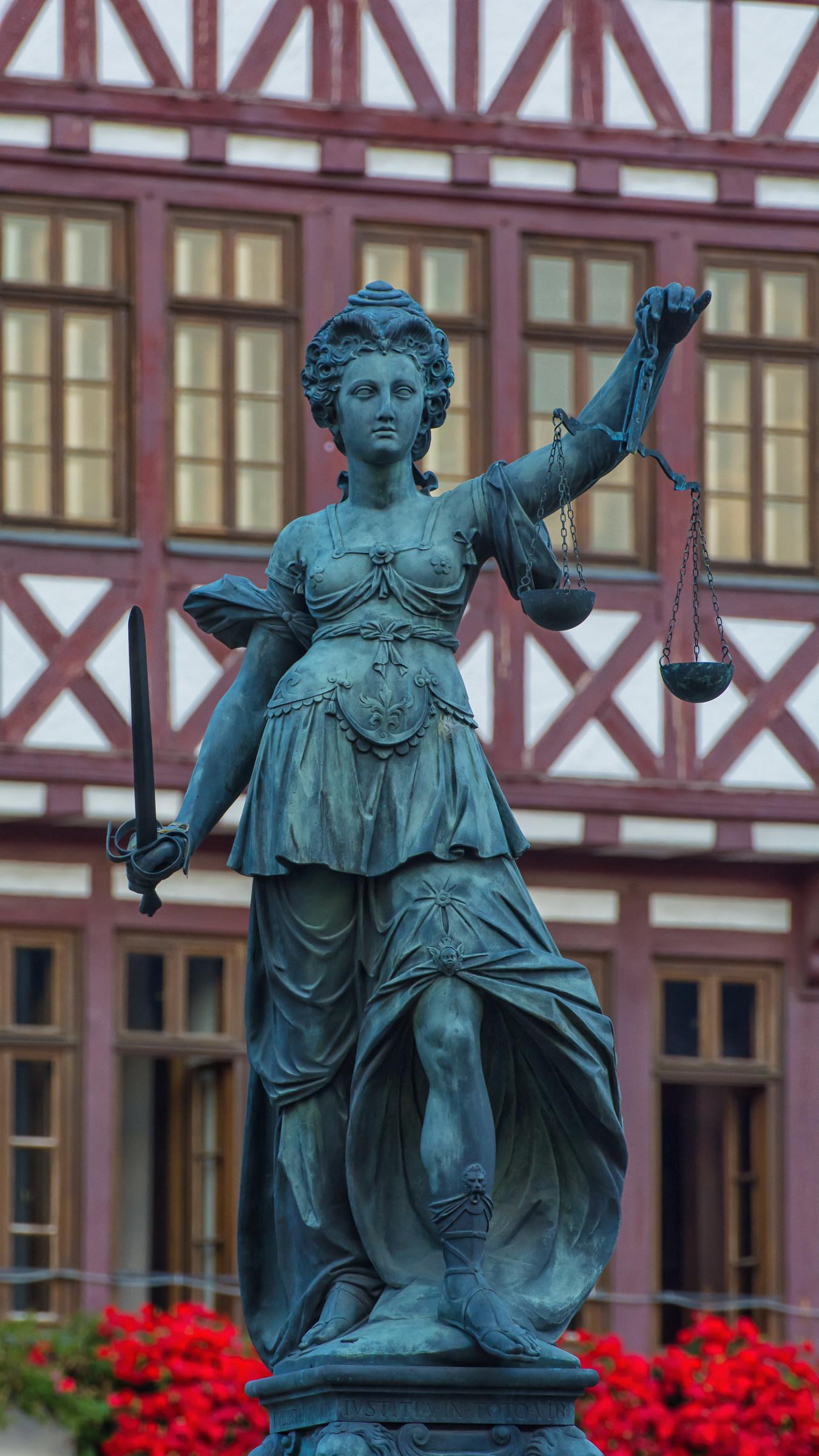 Gerechtigkeitsbrunnen (Frankfurt am Main)...