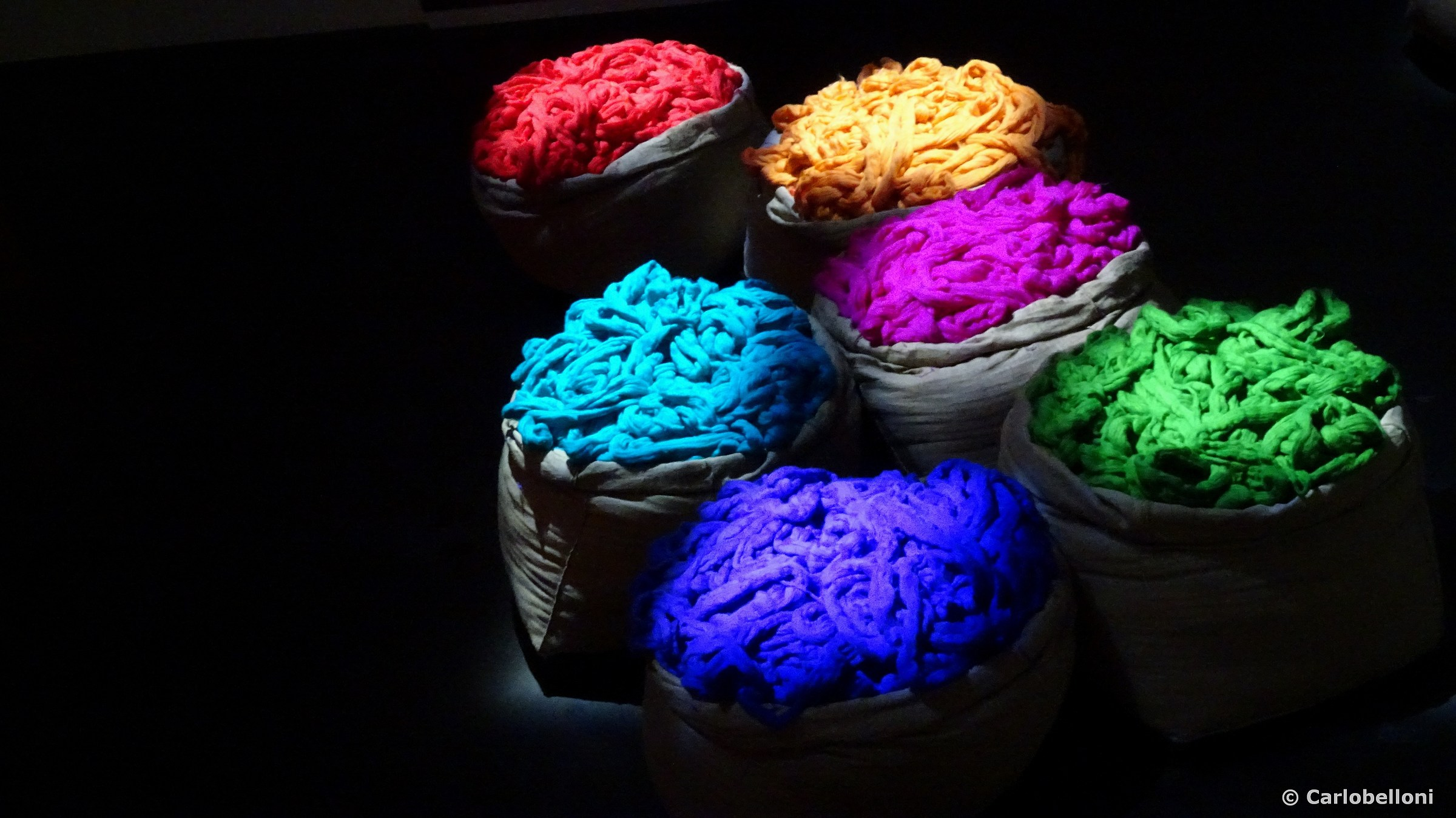 ... Color in the dark ......