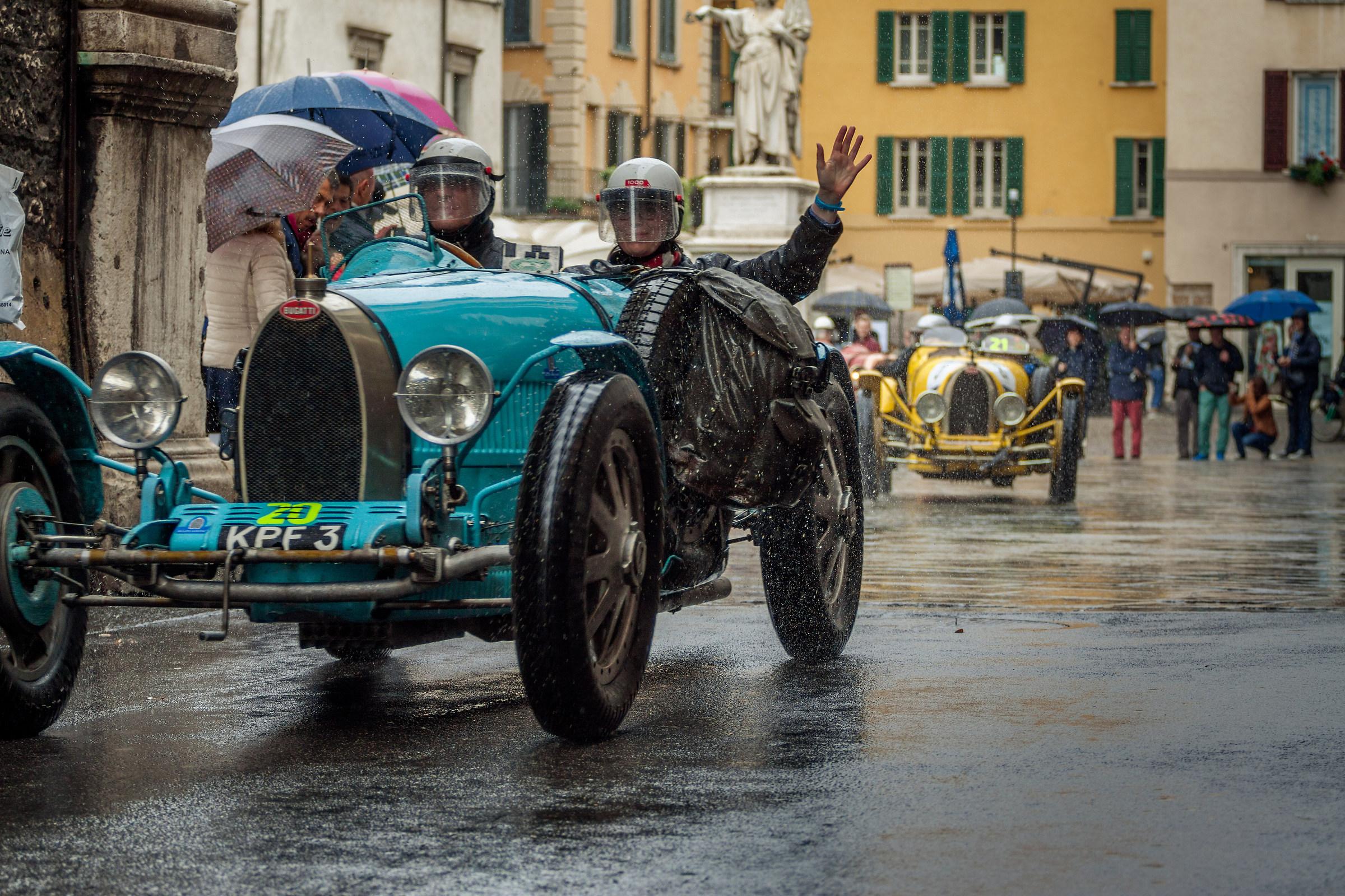 Bugatti T...