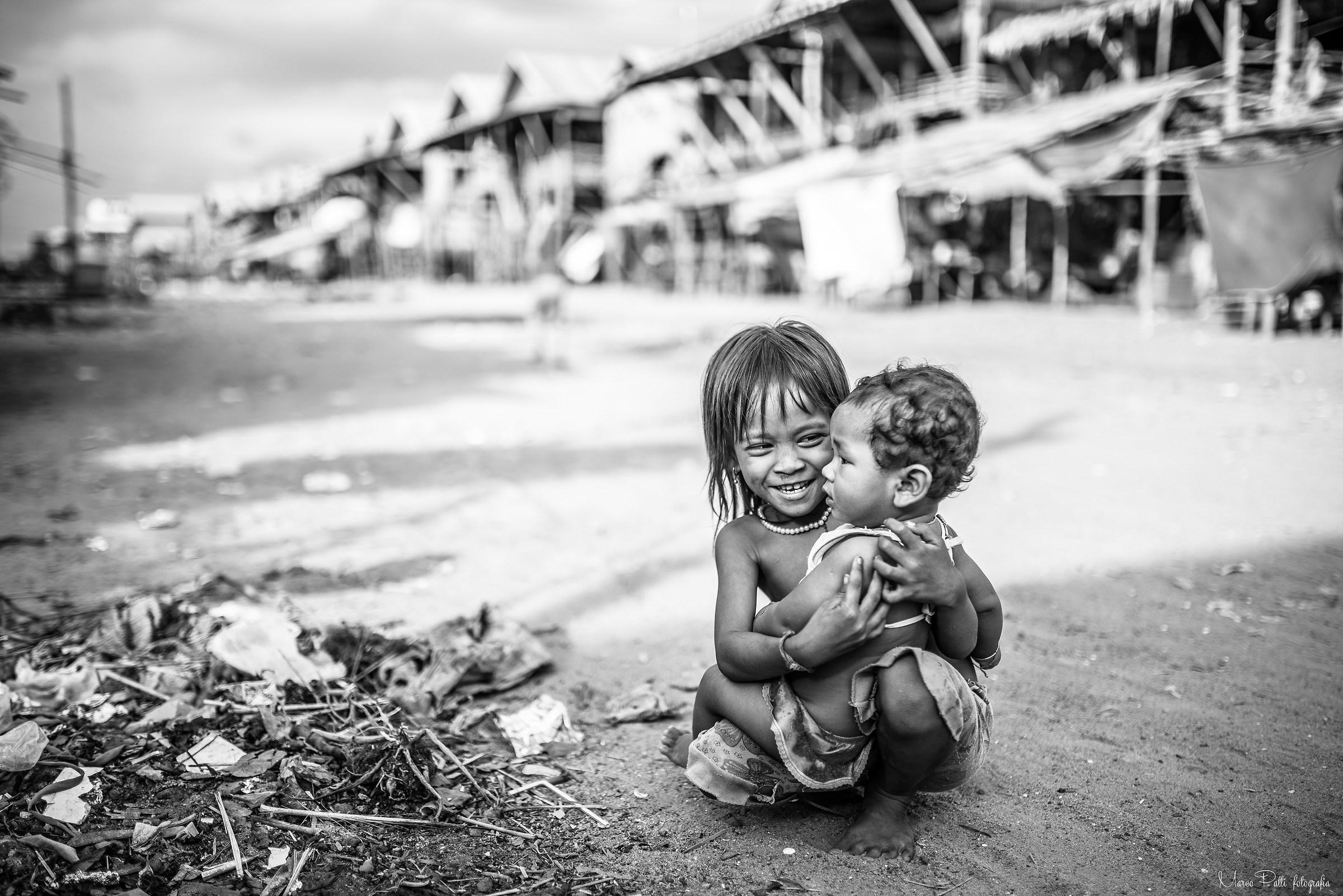 La felicità negli occhi di chi non ha nulla...
