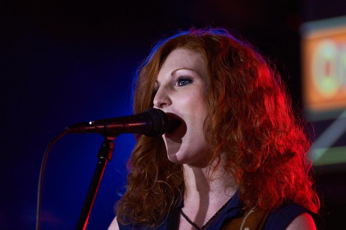 La cantante...