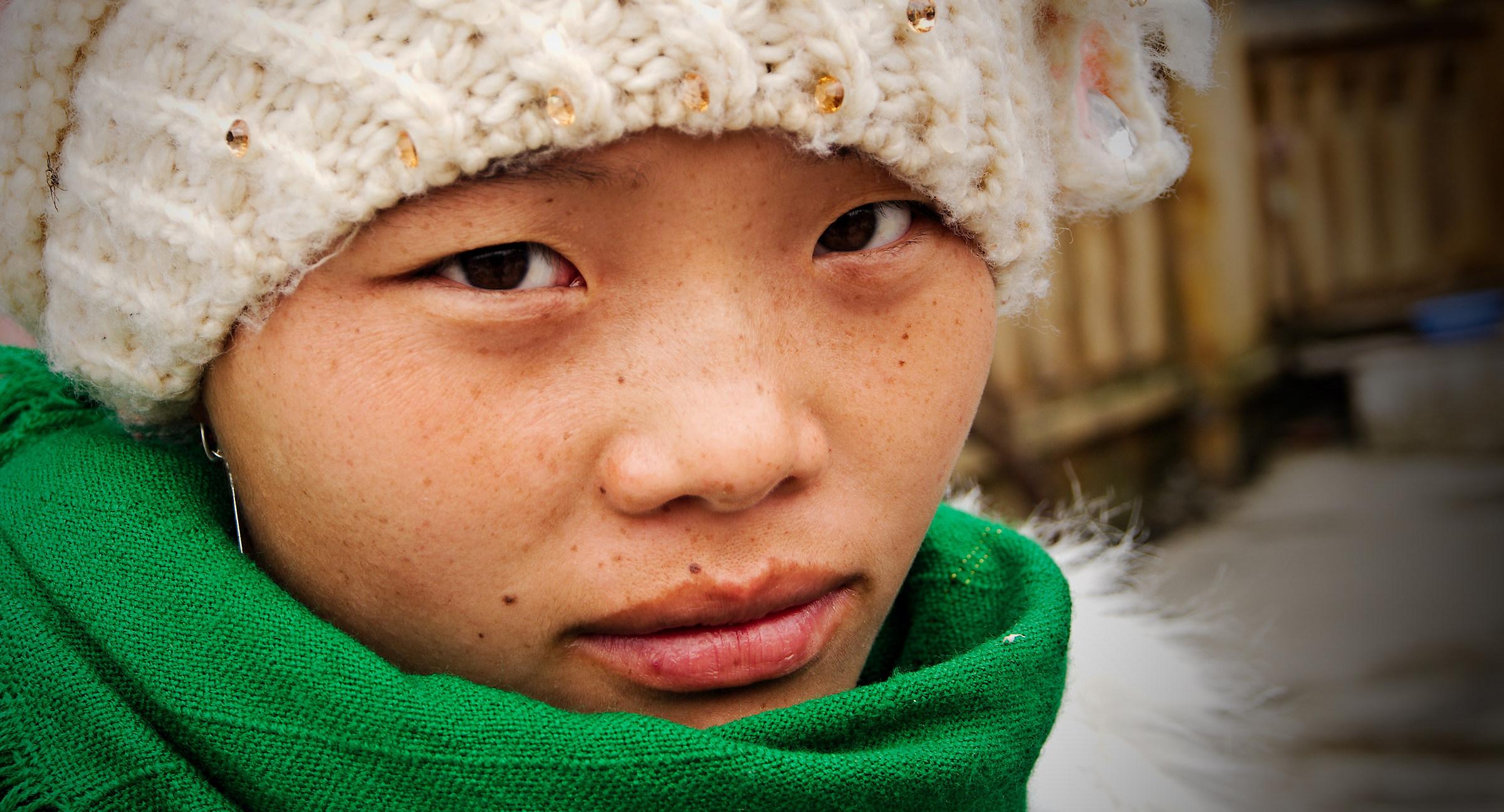 2016 Vietnam, Lao Cai. Face to face....