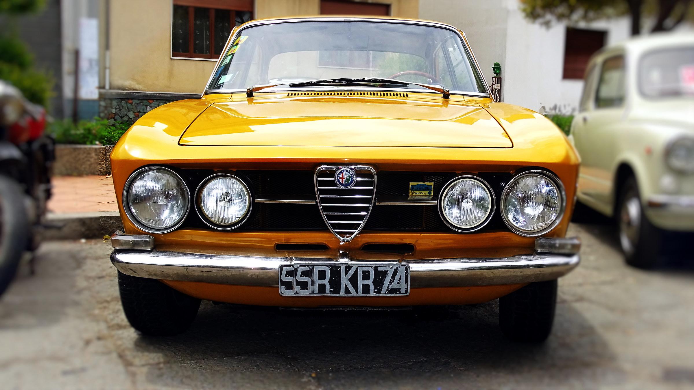 Alfa Romeo Vintage Car...