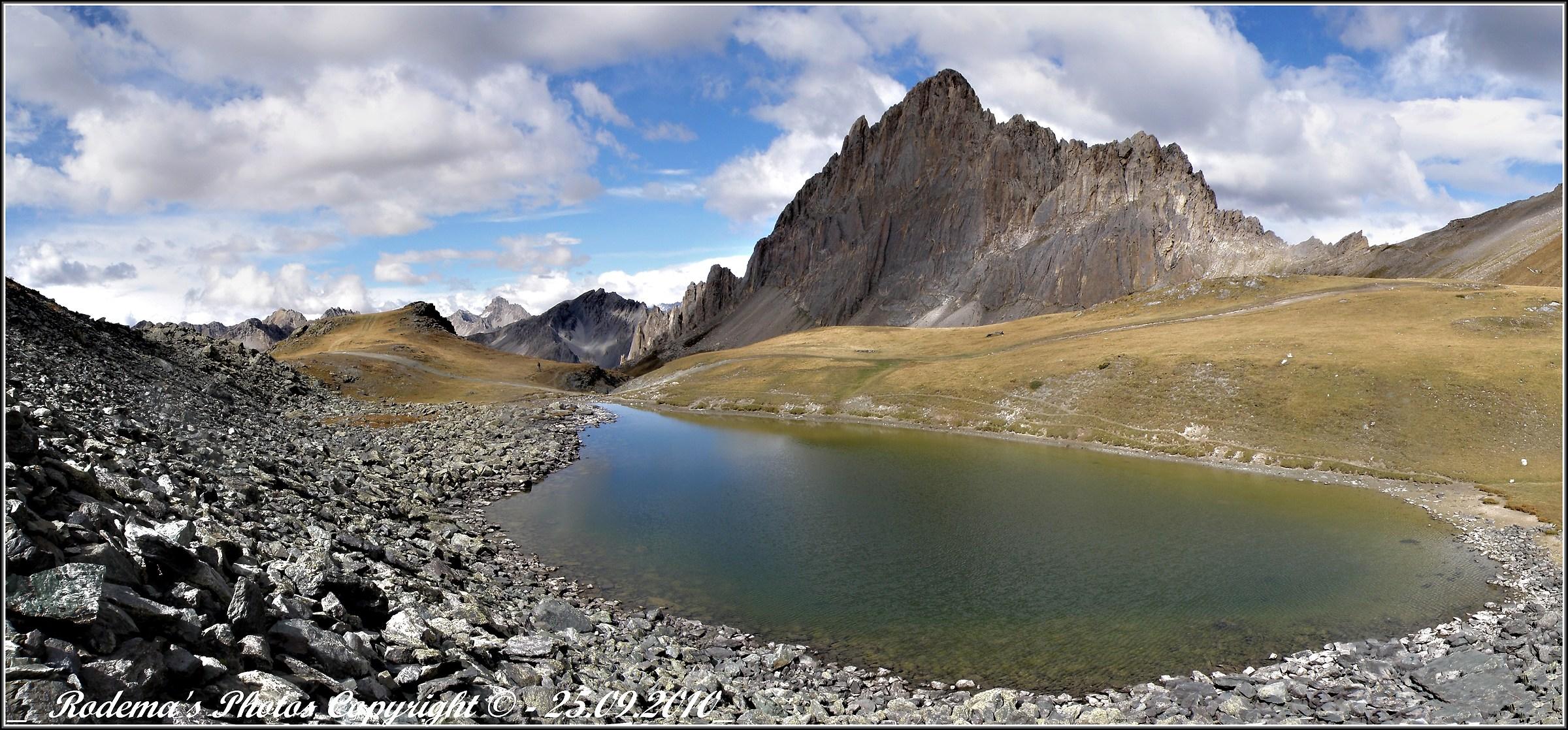 Rocca La Meja and Lake omonimo.2...