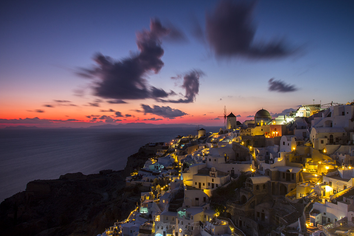 Sunset in Oia...