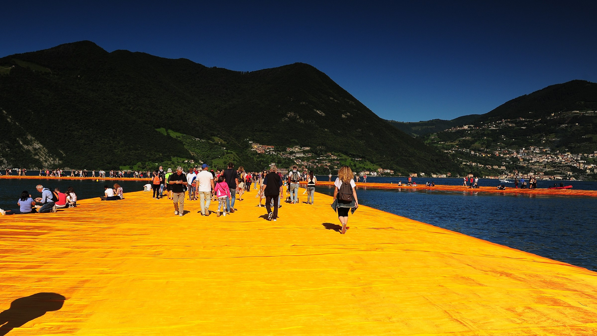Floating Piers...