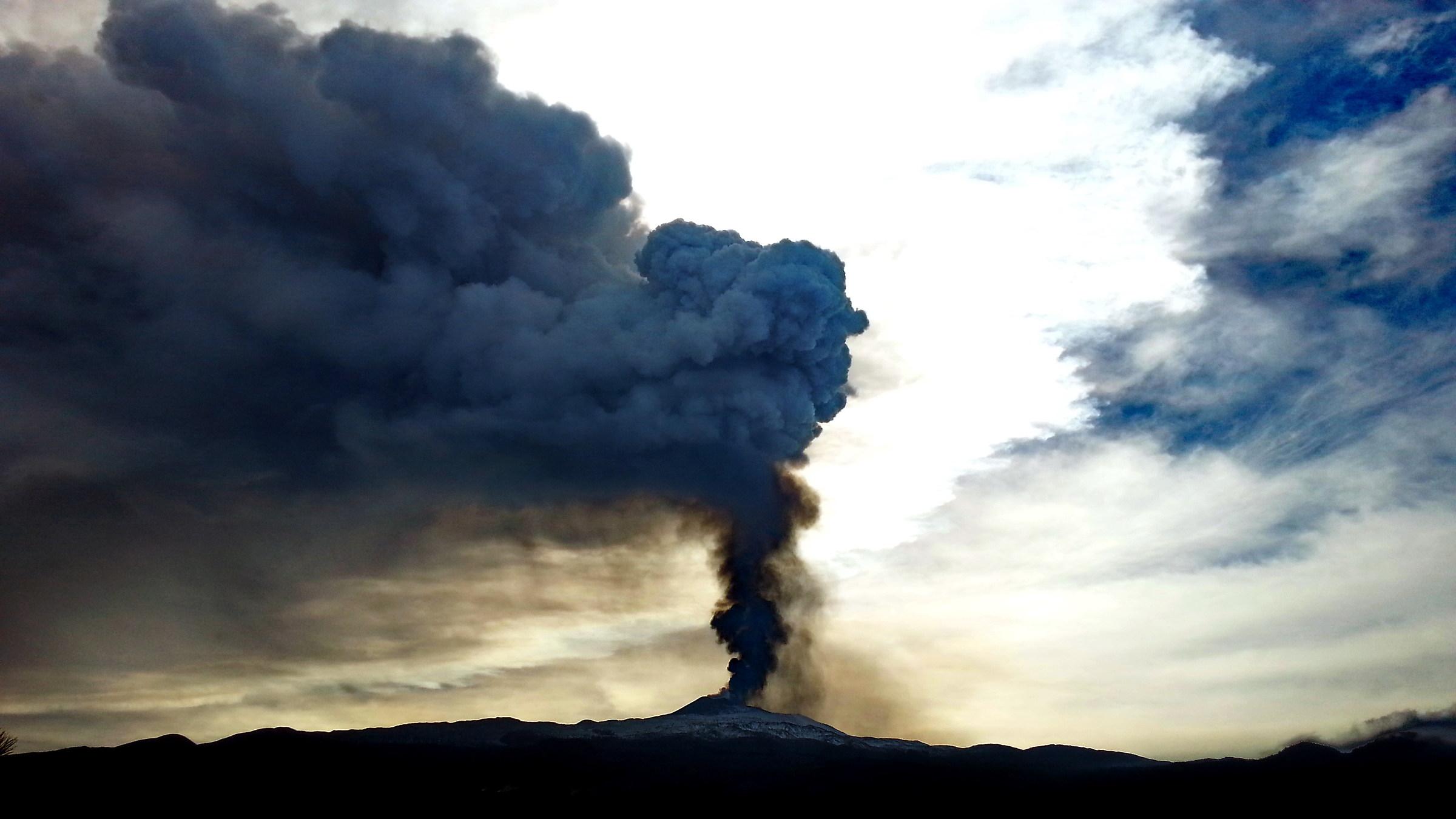 Last paroxysm Etna...