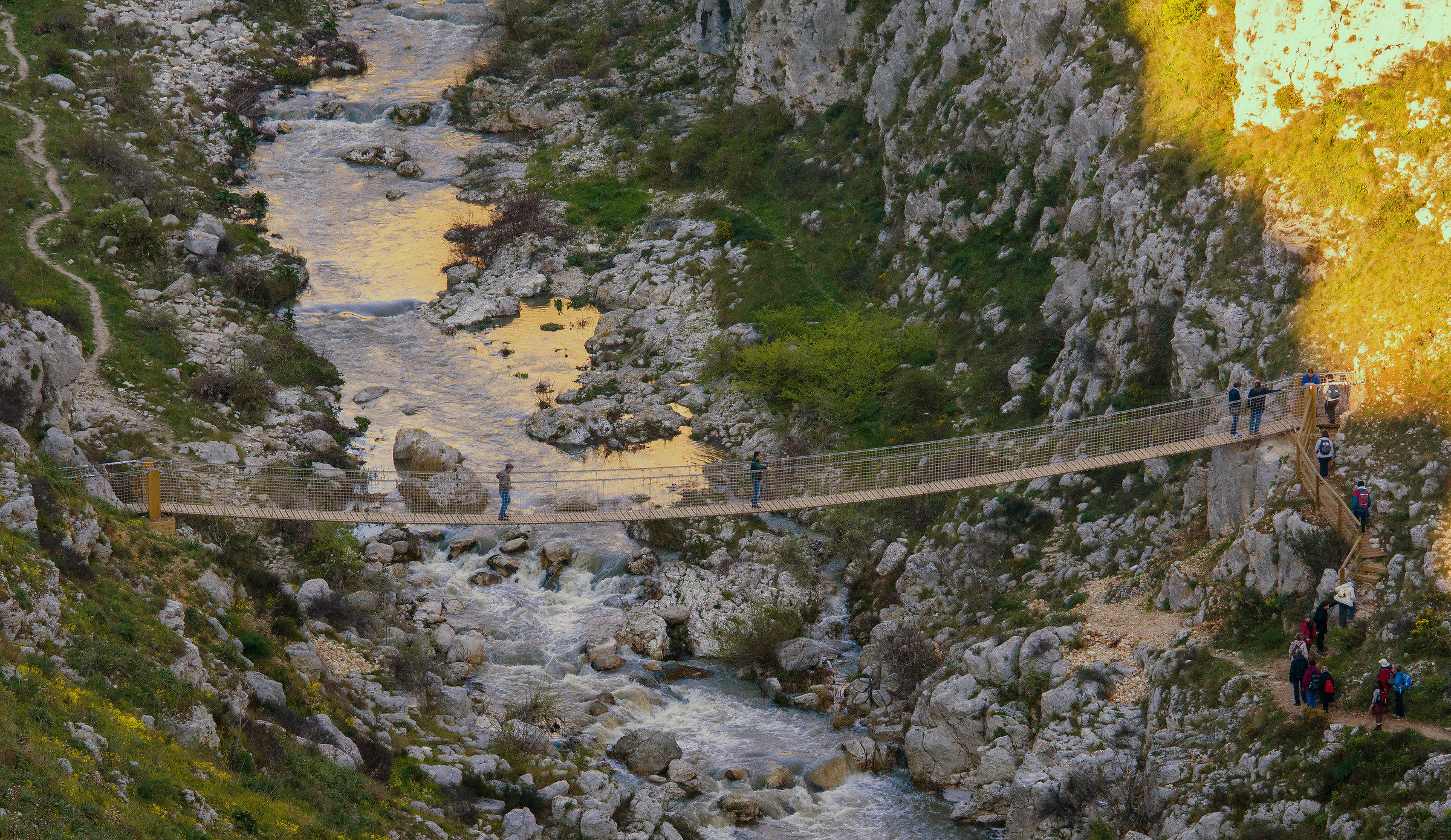 "La passerella (aka ""ponte tibetano"")..."