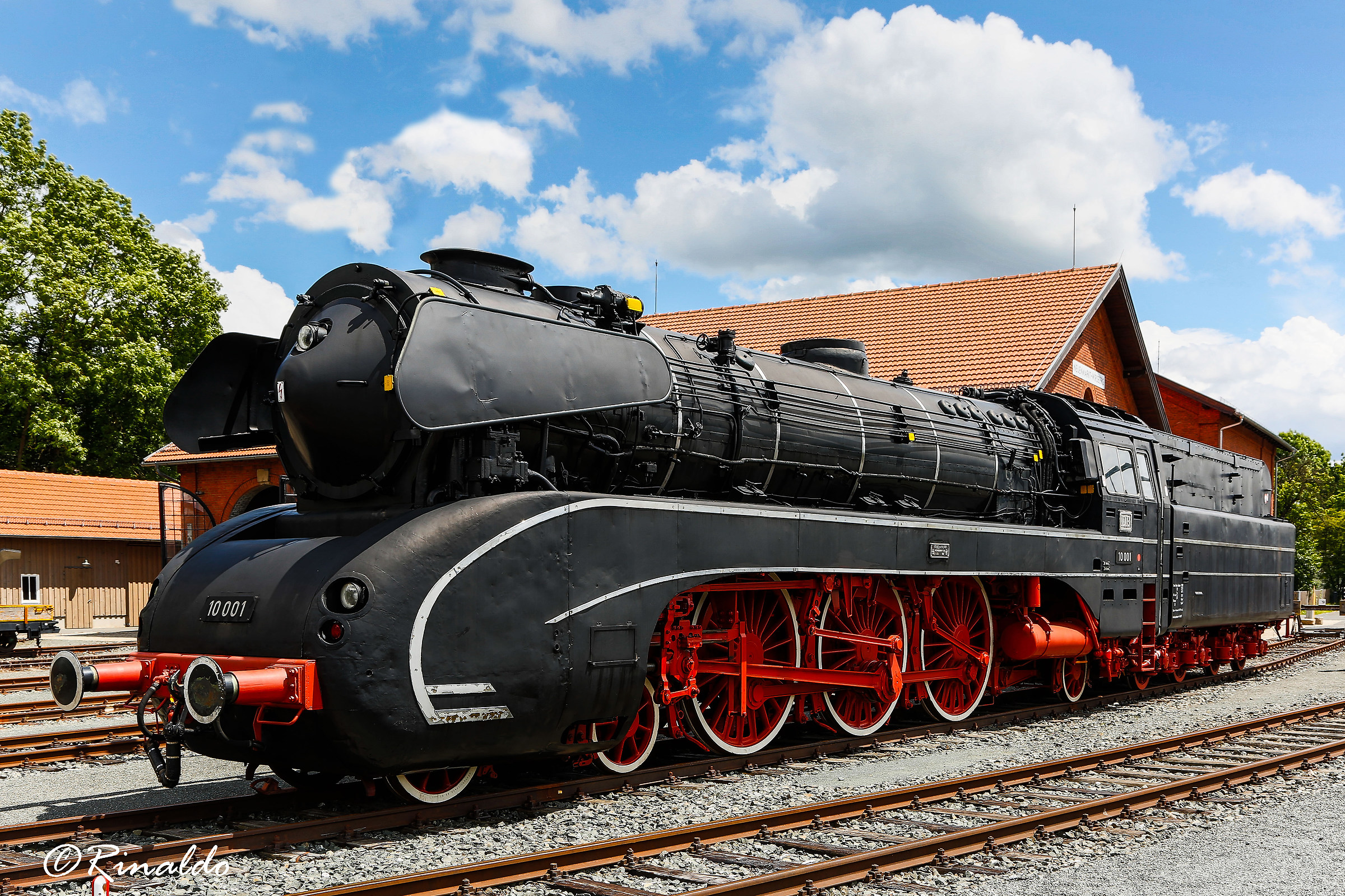 Remember the steam locomotives? Here is the db10001...