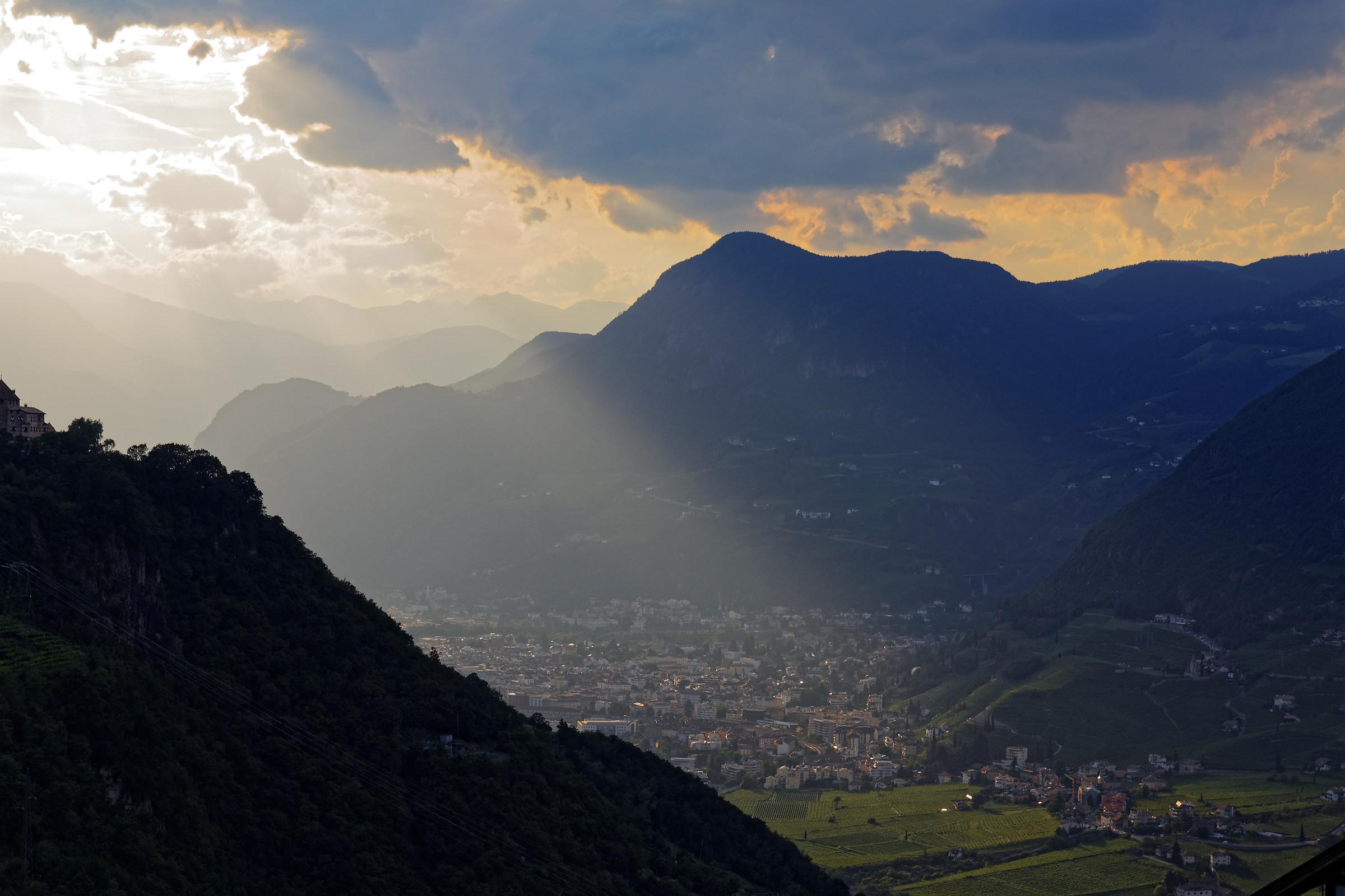 Tramonto su Bolzano...