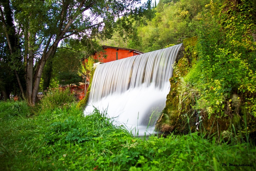 The cascade of the old mill...