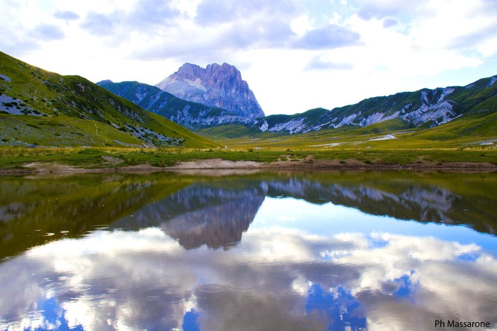 The giant mirror ... Lake Pietranzoni...