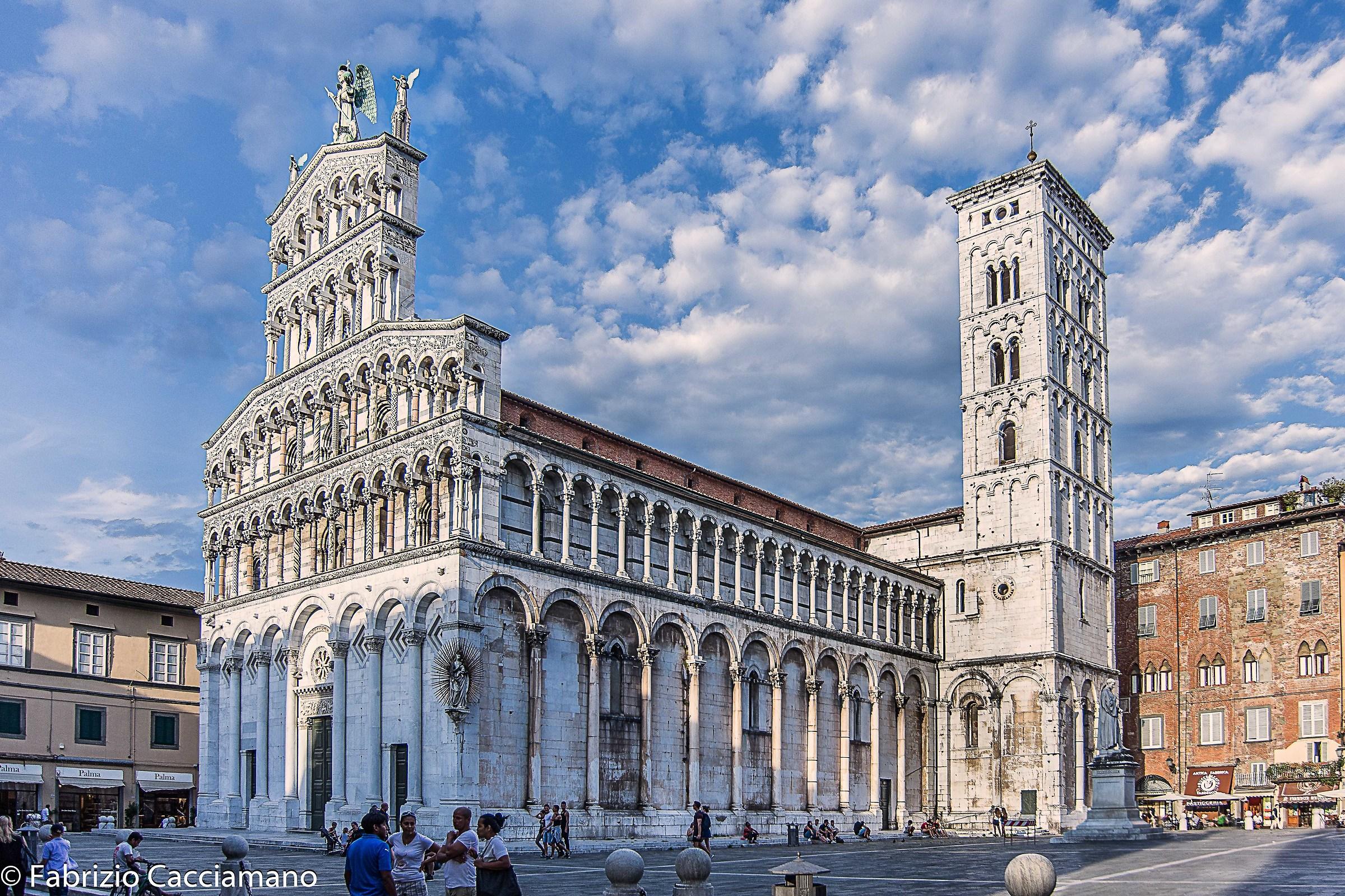 Lucca - chiesa di San Michele...