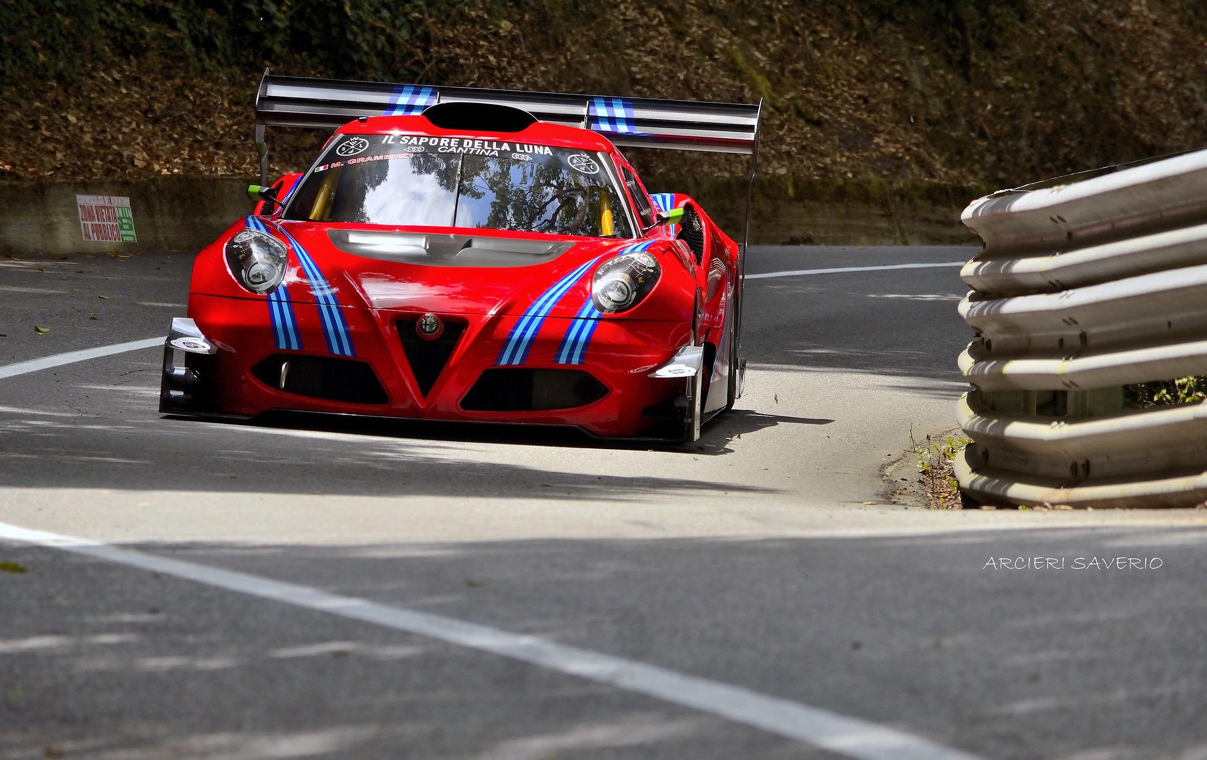 Alfa 4C...